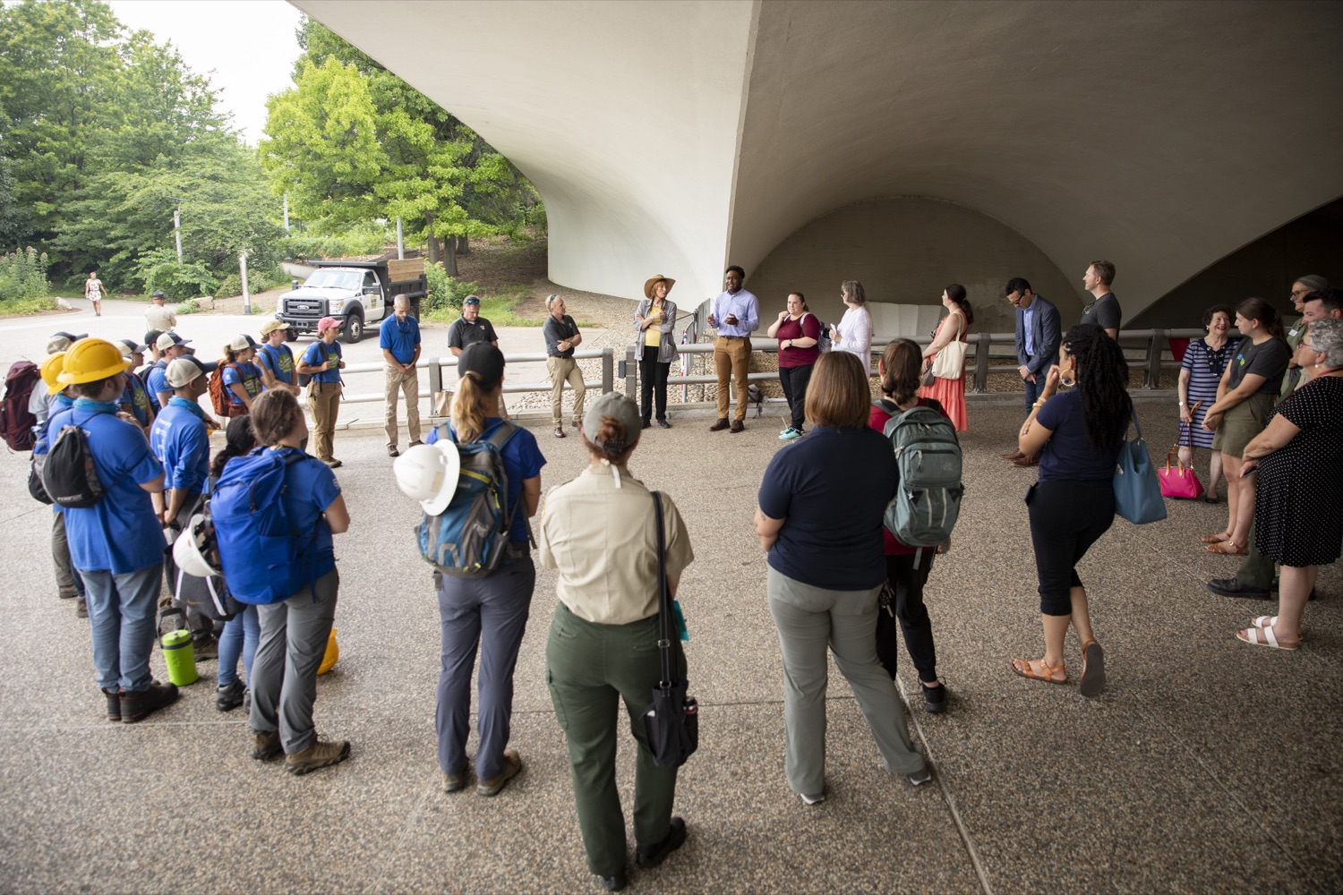 """<a href=""""https://filesource.wostreaming.net/commonwealthofpa/photo/18880_fl_outdooropportunites_cz_15.jpg"""" target=""""_blank"""">⇣Download Photo<br></a>Members of the PA Outdoor Corps meet with Secretary of DCNR Cindy Dunn and First Lady Frances Wolf, at Point State Park in Pittsburgh, PA on July 7, 2021."""