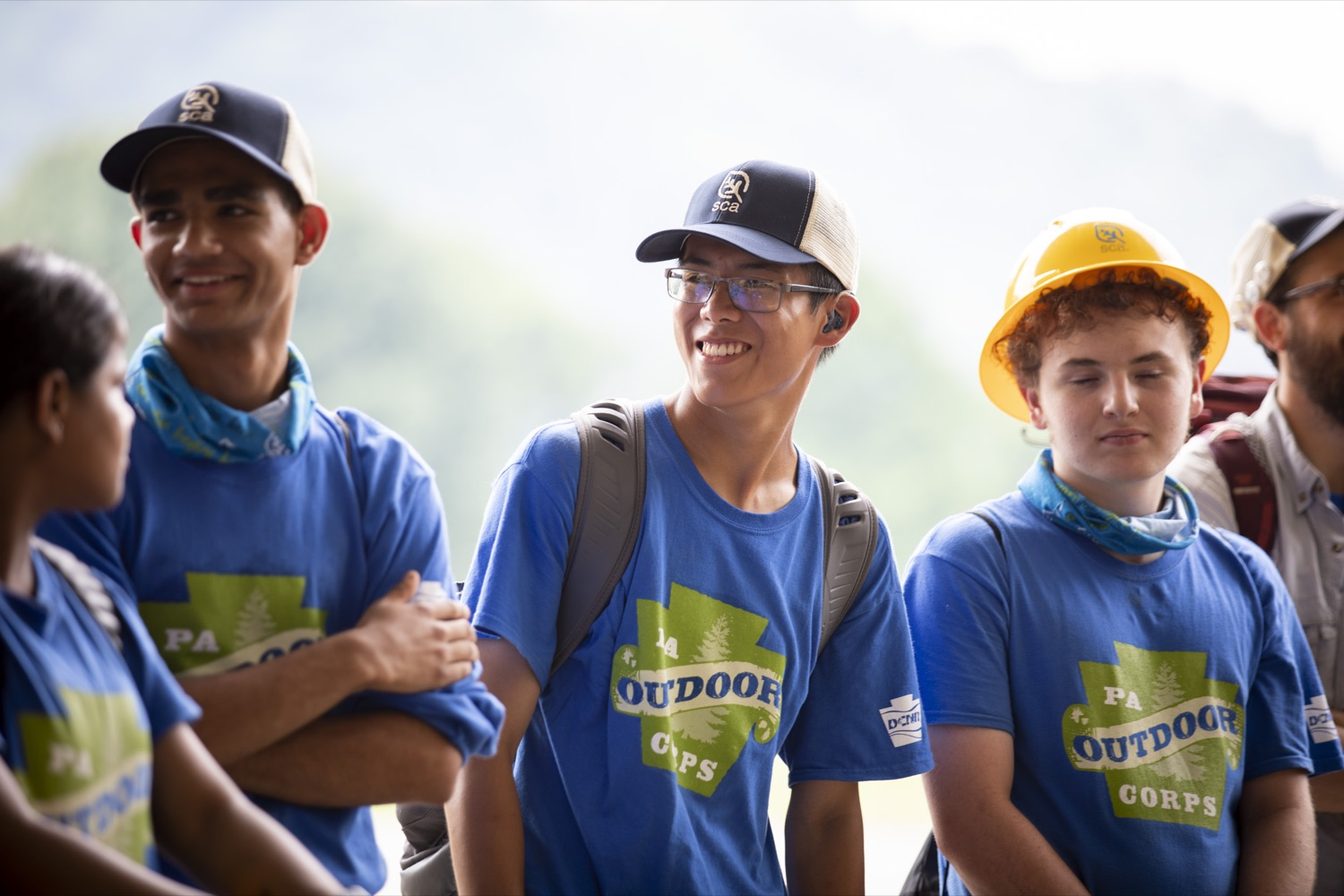 """<a href=""""https://filesource.wostreaming.net/commonwealthofpa/photo/18880_fl_outdooropportunites_cz_23.jpg"""" target=""""_blank"""">⇣Download Photo<br></a>Secretary of DCNR Cindy Dunn talks to members of the PA Outdoor Corps at Point State Park to promote outdoor opportunities, in Pittsburgh, PA on July 7, 2021."""