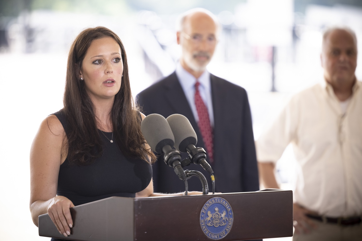 """<a href=""""https://filesource.wostreaming.net/commonwealthofpa/photo/18932_gov_chirp_dz_018.jpg"""" target=""""_blank"""">⇣Download Photo<br></a>Dana Pezza, Owner, Itri Wood Fired speaking with the press.  Governor Tom Wolf today joined the Pennsylvania Department of Community and Economic Development, Bucks County Commissioners, Bristol Borough Mayor Joseph Saxton, local lawmakers, Bucks County Economic Development Corporation, Visit Bucks County, the Bucks County Redevelopment Authority, and the owners of Itri Wood Fired to highlight the $7 million in grant funding provided to Bucks County restaurants through the COVID-19 Hospitality Industry Recovery Program(CHIRP).  JULY 16, 2021 - BRISTOL, PA"""
