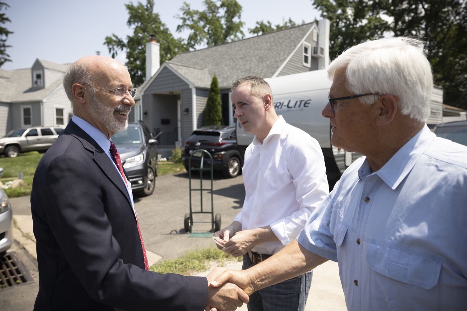 """<a href=""""https://filesource.wostreaming.net/commonwealthofpa/photo/18934_gov_stormDamage_10.jpg"""" target=""""_blank"""">⇣Download Photo<br></a>Gov. Wolf Tours Bucks County Communities Affected by Severe Weather, Flooding"""