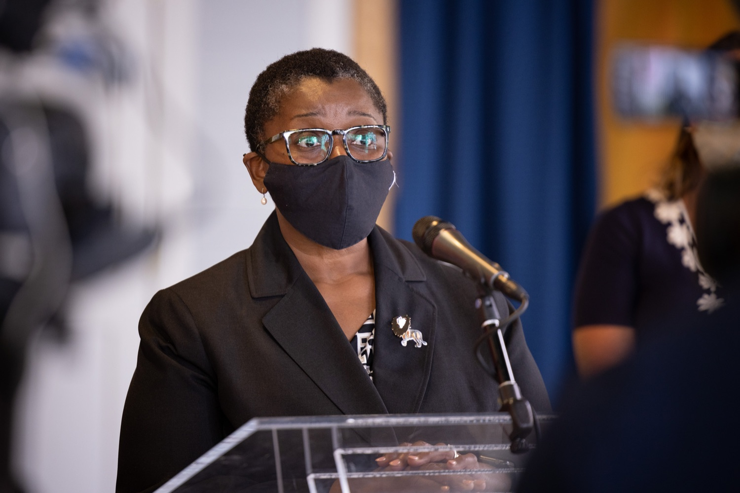 """<a href=""""https://filesource.wostreaming.net/commonwealthofpa/photo/18935_dhs_doh_vaccineGuide_dz_012.jpg"""" target=""""_blank"""">⇣Download Photo<br></a>Acting Physician General Dr. Denise Johnson speaking to the press.Department of Human Services (DHS) Acting Secretary Meg Snead and Acting Physician General Dr. Denise Johnson visited the Whitaker Center in Harrisburg today to discuss recommendations to keep children and their families safe while children under the age of 12 are not yet eligible for a COVID-19 vaccine. Harrisburg, PA  July 21, 2021"""