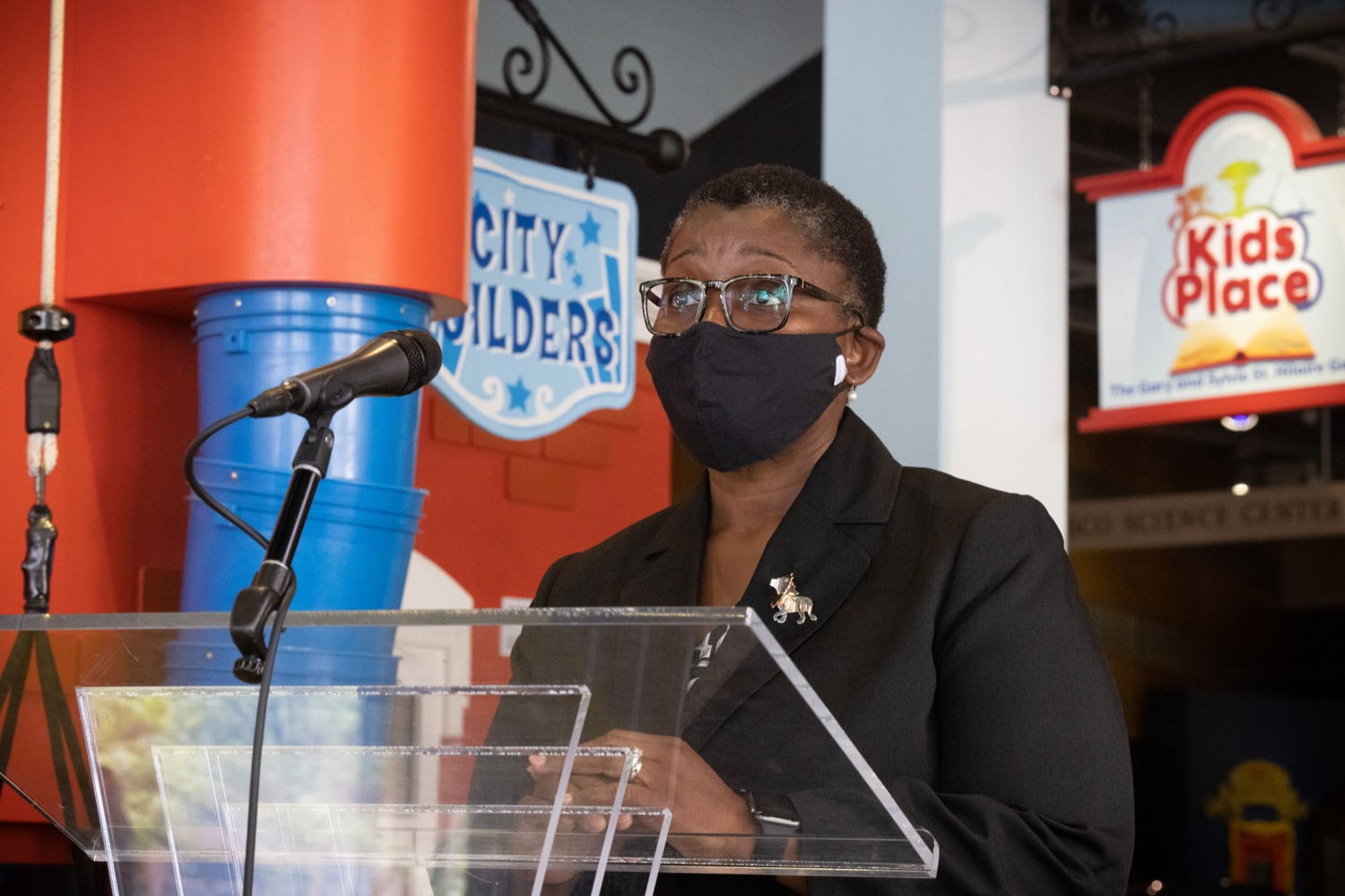 """<a href=""""https://filesource.wostreaming.net/commonwealthofpa/photo/18935_dhs_doh_vaccineGuide_dz_016.jpg"""" target=""""_blank"""">⇣Download Photo<br></a>Acting Physician General Dr. Denise Johnson speaking to the press.Department of Human Services (DHS) Acting Secretary Meg Snead and Acting Physician General Dr. Denise Johnson visited the Whitaker Center in Harrisburg today to discuss recommendations to keep children and their families safe while children under the age of 12 are not yet eligible for a COVID-19 vaccine. Harrisburg, PA  July 21, 2021"""