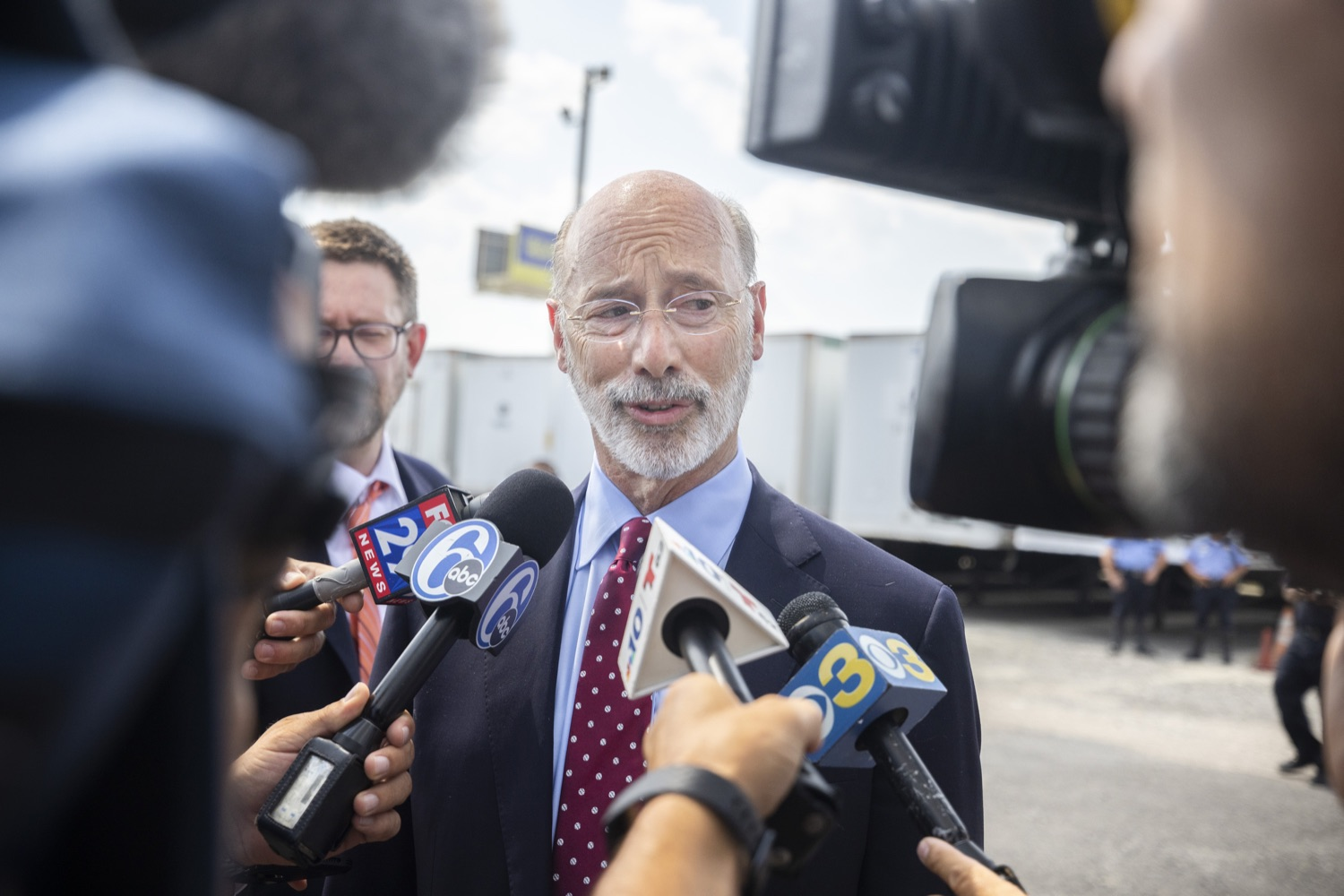"""<a href=""""https://filesource.wostreaming.net/commonwealthofpa/photo/18936_gov_taskforceone_dz_014.jpg"""" target=""""_blank"""">⇣Download Photo<br></a>Governor Tom Wolf thanked members of Pennsylvania-Task Force 1 (PA- TF1), who returned today to Philadelphia after spending two weeks assisting with search and rescue efforts at the site of the recent deadly building collapse in Surfside, Florida.  Philadelphia, Pa.  July 16, 2021"""