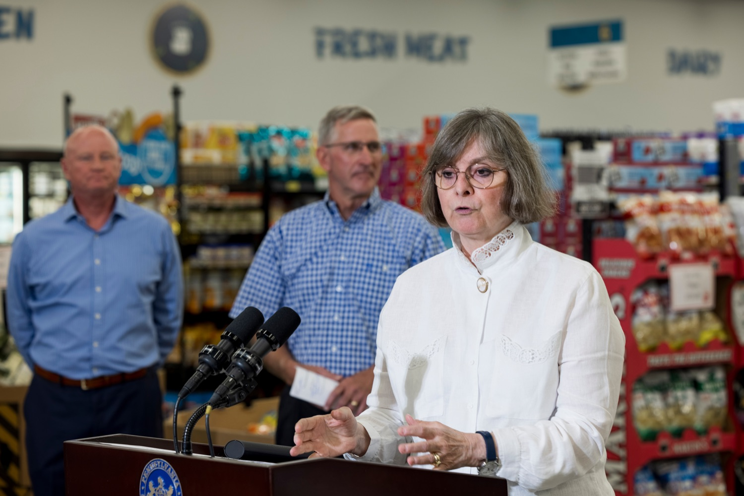 """<a href=""""https://filesource.wostreaming.net/commonwealthofpa/photo/18939_AGRIC_FL_Urban_Farms_NK_016.jpg"""" target=""""_blank"""">⇣Download Photo<br></a>Pennsylvania First Lady Frances Wolf speaks inside Treasures Markets in Lancaster on Monday, July 19, 2021. The Treasures of Hope Foundation and Treasures Markets were formed in February 2018 to bring back groceries to Lancaster City. Treasures of Hope is a 501C3 and Treasures Markets is an LLC social enterprise under Treasures of Hope. All profits from Treasures Markets go to Treasures of Hope which distributes them to other 501C3 organizations that feed the hungry and homeless."""