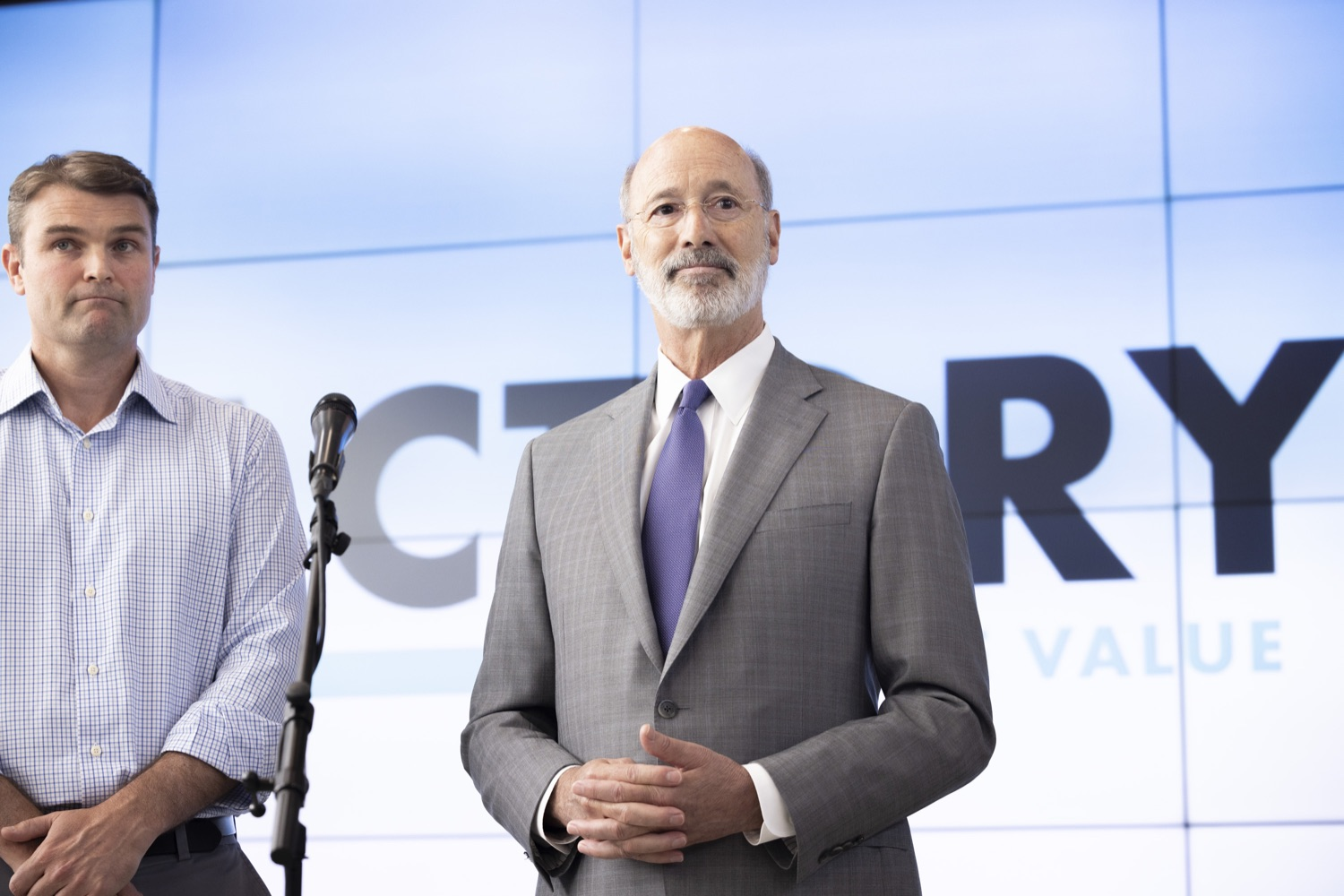"""<a href=""""https://filesource.wostreaming.net/commonwealthofpa/photo/18941_gov_economicDevelopment_dz_005.jpg"""" target=""""_blank"""">⇣Download Photo<br></a>Pennsylvania Governor Tom Wolf and Keith Caldwell, Partner  Factory LLC speaking with the press.  Governor Tom Wolf today visited Factory LLC in Bethlehem to tour the facility and highlight the importance of investing in Pennsylvanias start-up companies. During the visit, he met with companies affiliated with Factory, including Stuffed Puffs®, which received a $1 million funding proposal from the commonwealth in 2019 to expand its manufacturing operations and create jobs, Mikeys®, Pipcorn®, Honey Stinger®, and ROAR® Organic. Bethlehem, PA  July 19, 2021"""