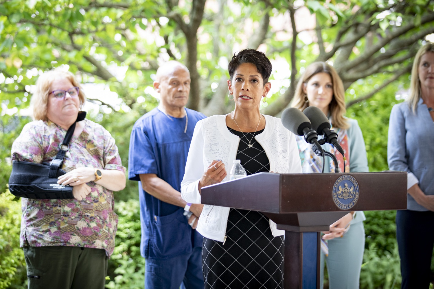 """<a href=""""https://filesource.wostreaming.net/commonwealthofpa/photo/18946_doh_LTCF_cz_16.jpg"""" target=""""_blank"""">⇣Download Photo<br></a>Margaret Barajas, the State Long-Term Care Ombudsman, discusses how the existing mandates have raised concerns about the quality of care and quality of life for long-term care residents, at Homeland Center in Harrisburg, PA on July 21, 2021."""