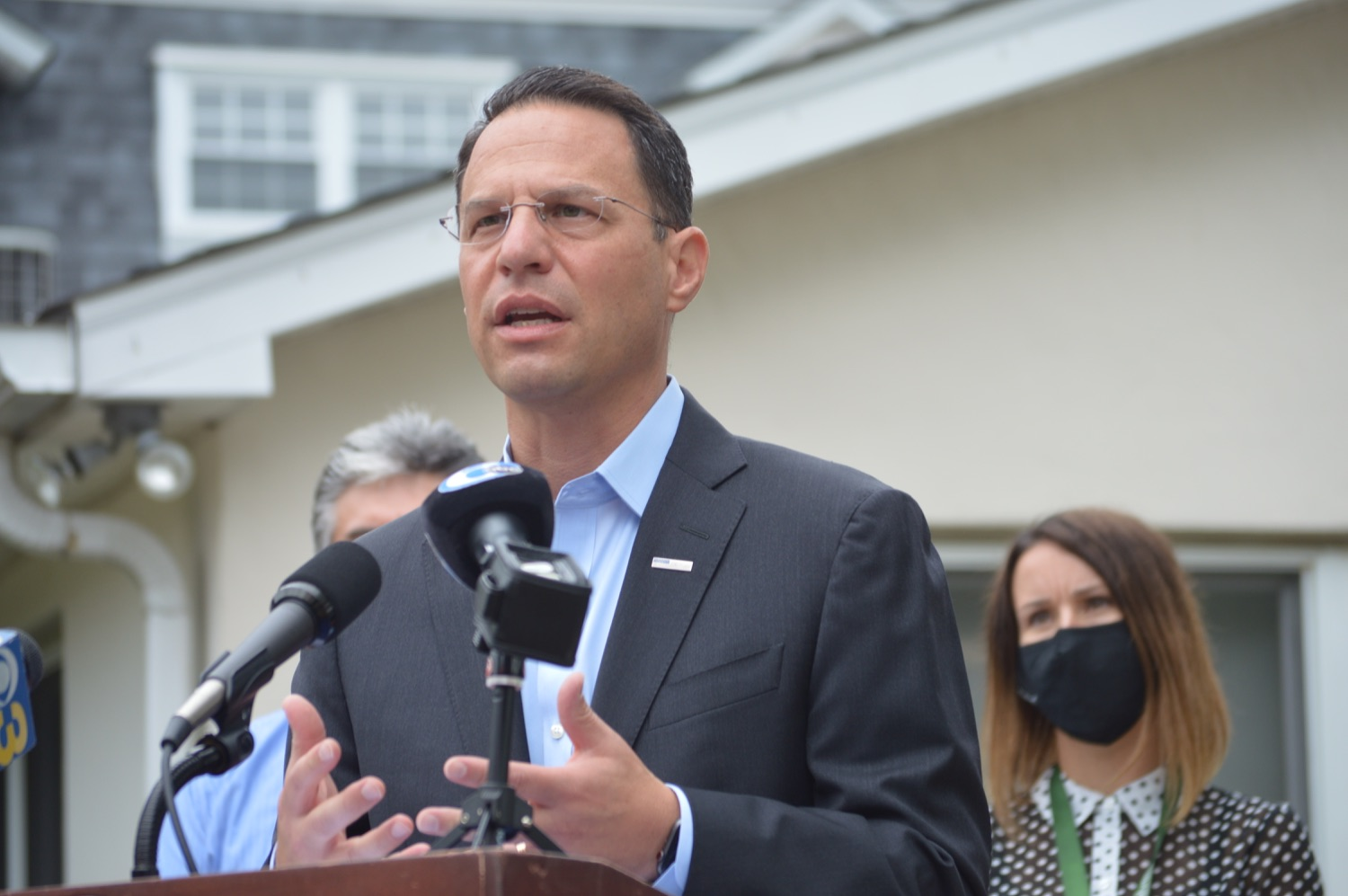 """<a href=""""https://filesource.wostreaming.net/commonwealthofpa/photo/18988_oag_whitehall_02.JPG"""" target=""""_blank"""">⇣Download Photo<br></a>AG Shapiro Meets With Malvern Treatment Center Staff To Discuss Opioid Treatment Efforts"""