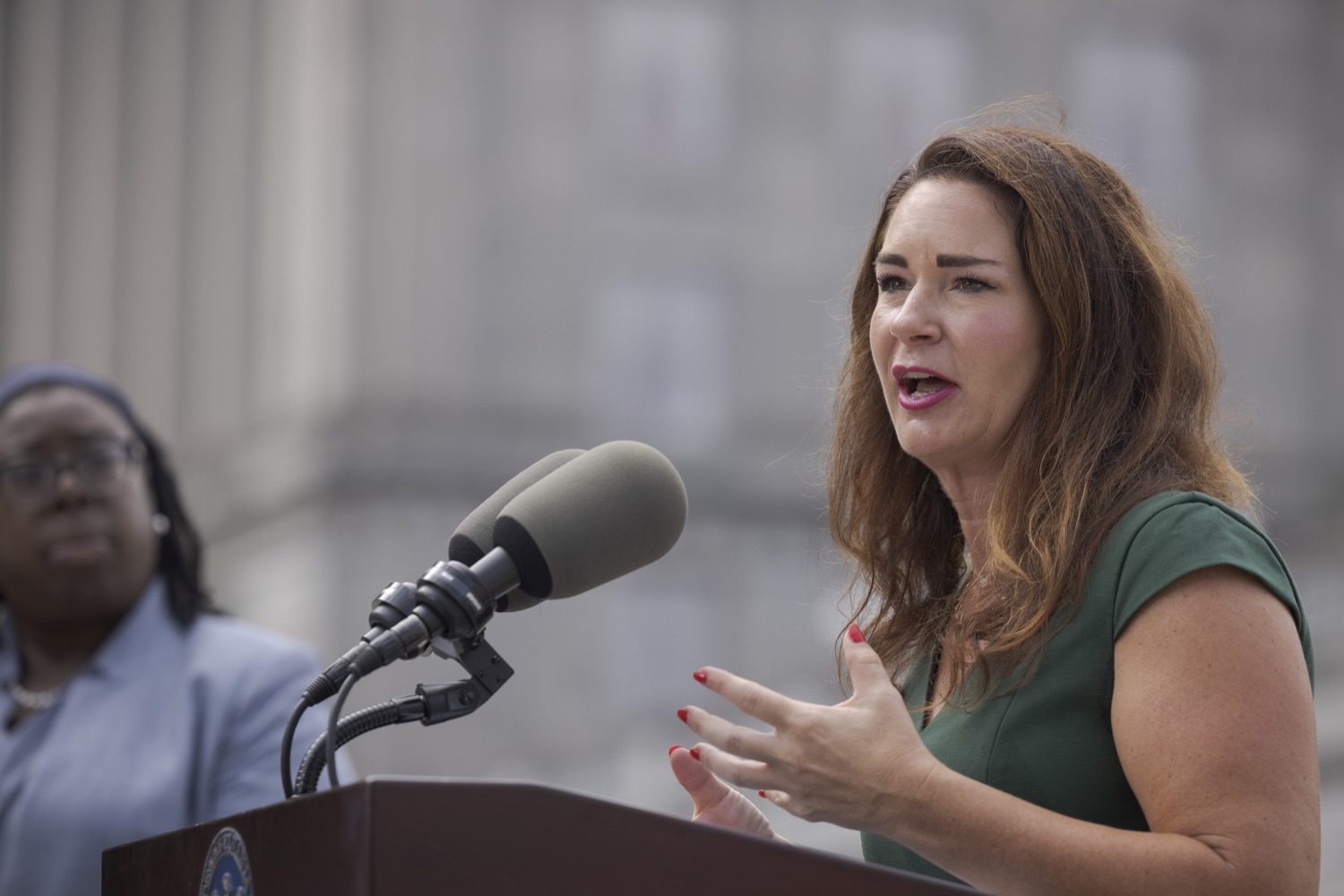 """<a href=""""https://filesource.wostreaming.net/commonwealthofpa/photo/19086_li_unemploymentBenefits_dz_010.jpg"""" target=""""_blank"""">⇣Download Photo<br></a>Secretary of the PA Department of Labor & Industry Jennifer Berrier speaks to the press. With federal unemployment benefits ending for 558,000 Pennsylvanians on Saturday, Sept. 4, other support programs are available to provide help, Department of Labor & Industry (L&I) Secretary Jennifer Berrier and Department of Human Services (DHS) Deputy Secretary for the Office of Income Maintenance Inez Titus announced during a Capitol press conference today. Harrisburg, PA - August 30, 2021"""