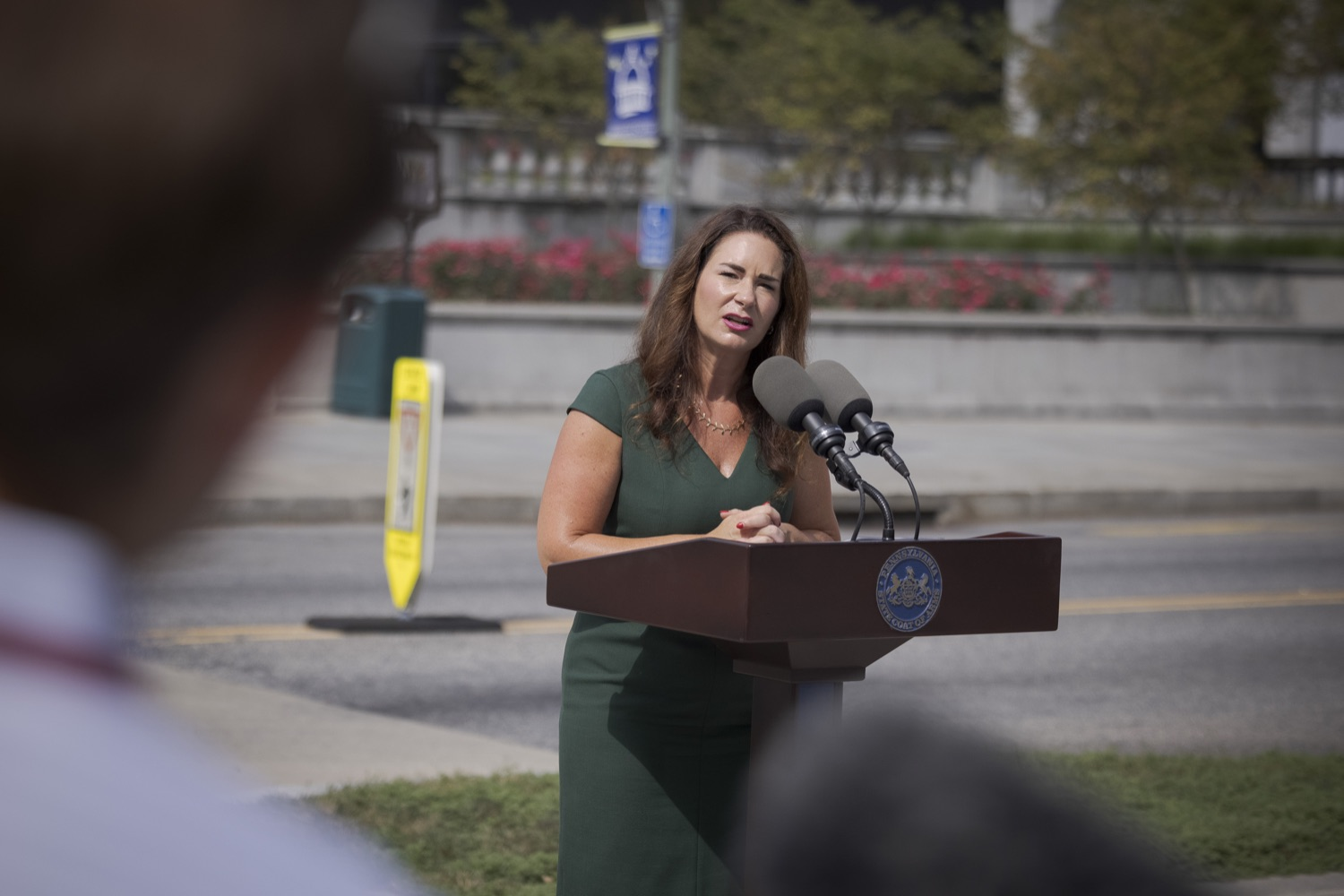 """<a href=""""https://filesource.wostreaming.net/commonwealthofpa/photo/19086_li_unemploymentBenefits_dz_020.jpg"""" target=""""_blank"""">⇣Download Photo<br></a>Secretary of the PA Department of Labor & Industry Jennifer Berrier speaks to the press. With federal unemployment benefits ending for 558,000 Pennsylvanians on Saturday, Sept. 4, other support programs are available to provide help, Department of Labor & Industry (L&I) Secretary Jennifer Berrier and Department of Human Services (DHS) Deputy Secretary for the Office of Income Maintenance Inez Titus announced during a Capitol press conference today. Harrisburg, PA - August 30, 2021"""