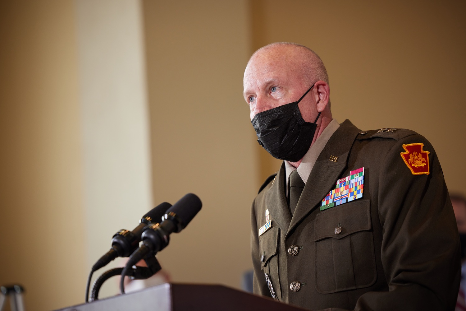 """<a href=""""https://filesource.wostreaming.net/commonwealthofpa/photo/19088_dmva_suicidePrevention_dz_002.jpg"""" target=""""_blank"""">⇣Download Photo<br></a>Adjutant General of Pennsylvania Major General Mark J. Schindler speaks to the press.  Members of the Wolf administration gathered today at the YWCA Greater  Harrisburg to raise awareness about veteran suicide, a health crisis taking the lives of about 20  veterans a day nationwide. The event was held in recognition of September being National Suicide Prevention Month.  Harrisburg, PA   Sept. 9, 2021.."""