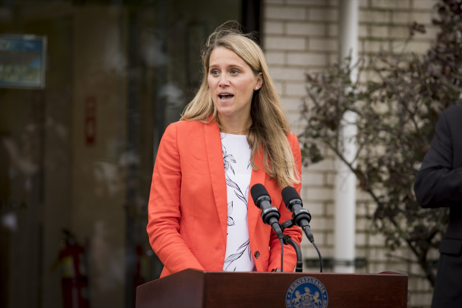 """<a href=""""https://filesource.wostreaming.net/commonwealthofpa/photo/19091_ag_doordash_cz_17.jpg"""" target=""""_blank"""">⇣Download Photo<br></a>Director of Government & Nonprofit for DoorDash Drive Brittany Graunke discusses the partnership to deliver meals to seniors in need, in Delmont, PA on September 23, 2021."""