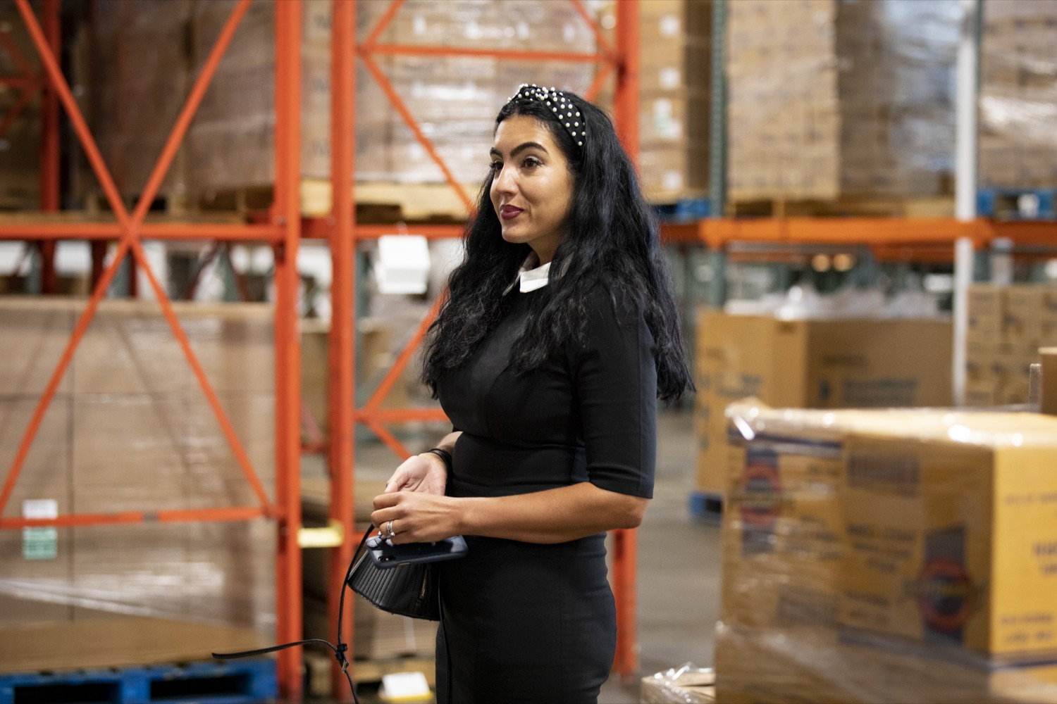 """<a href=""""https://filesource.wostreaming.net/commonwealthofpa/photo/19091_ag_doordash_cz_21.jpg"""" target=""""_blank"""">⇣Download Photo<br></a>Second Lady of Pennsylvania Gisele Fetterman tours the Westmoreland Food Bank, in Delmont, PA on September 23, 2021."""