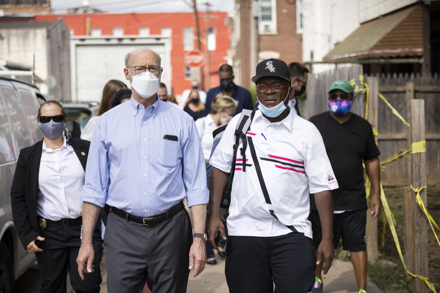 """<a href=""""https://filesource.wostreaming.net/commonwealthofpa/photo/19109_gov_stormDamage_dz_010.jpg"""" target=""""_blank"""">⇣Download Photo<br></a>Local residents showing storm damage to Pennsylvania Governor Tom Wolf.   Governor Wolf visited the Borough of Bridgeport to tour some of the areas affected by the remnants of Ida. The governor, joined by local officials, viewed and discussed the impact to damaged areas, including businesses, homes and infrastructure. Bridgeport, PA - September 08, 2021"""
