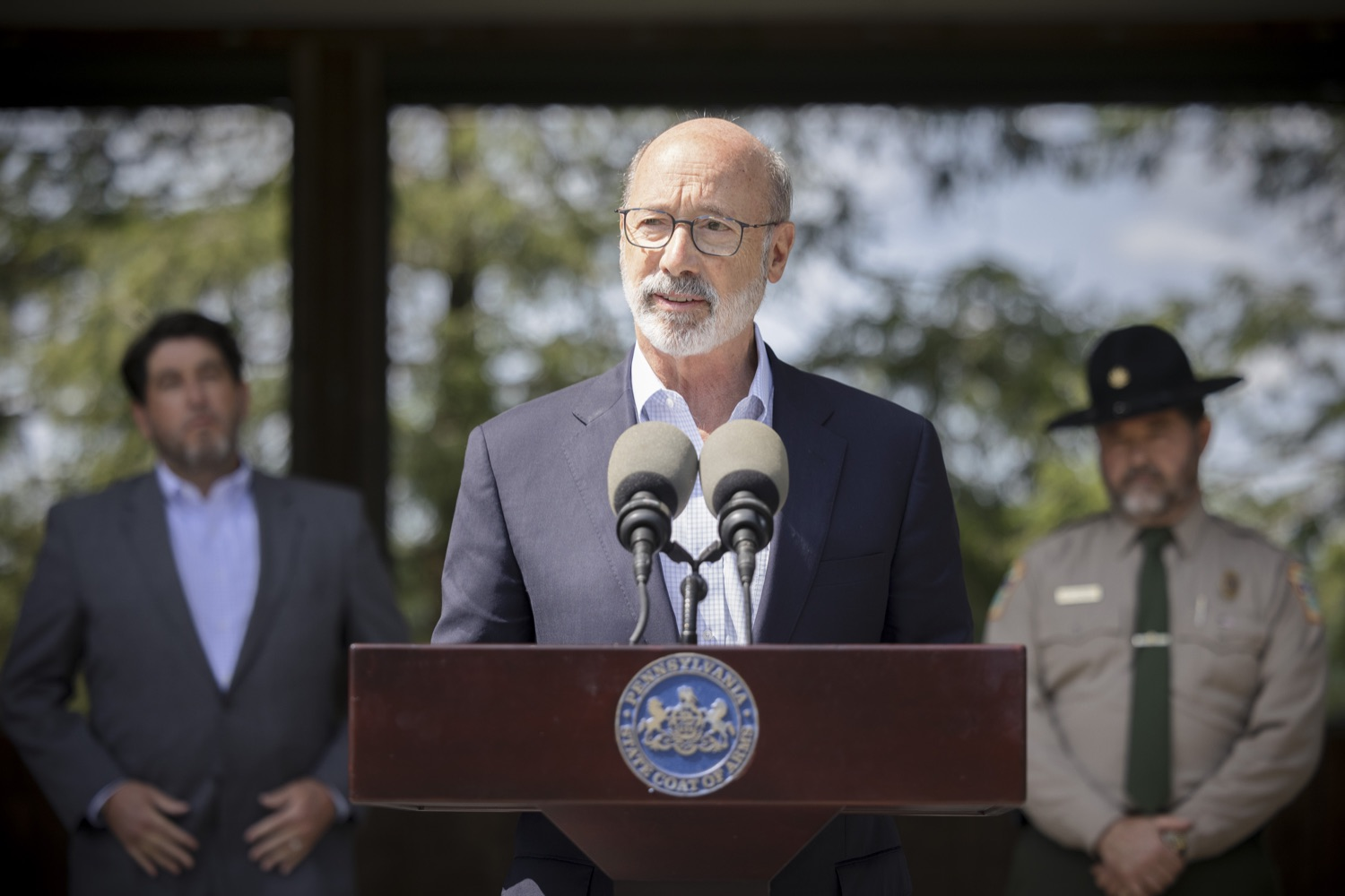 """<a href=""""https://filesource.wostreaming.net/commonwealthofpa/photo/19111_gov_parkVaccines_dz_001.jpg"""" target=""""_blank"""">⇣Download Photo<br></a>Pennsylvania Governor Tom Wolf speaking with the press.  Governor Tom Wolf today announced that the Department of Health (DOH) and Department of Conservation and Natural Resources (DCNR) are partnering to hold COVID-19 vaccine clinics at five state parks across the commonwealth to help expand access to the COVID-19 vaccine.  Harrisburg, PA -- September 10, 2021"""