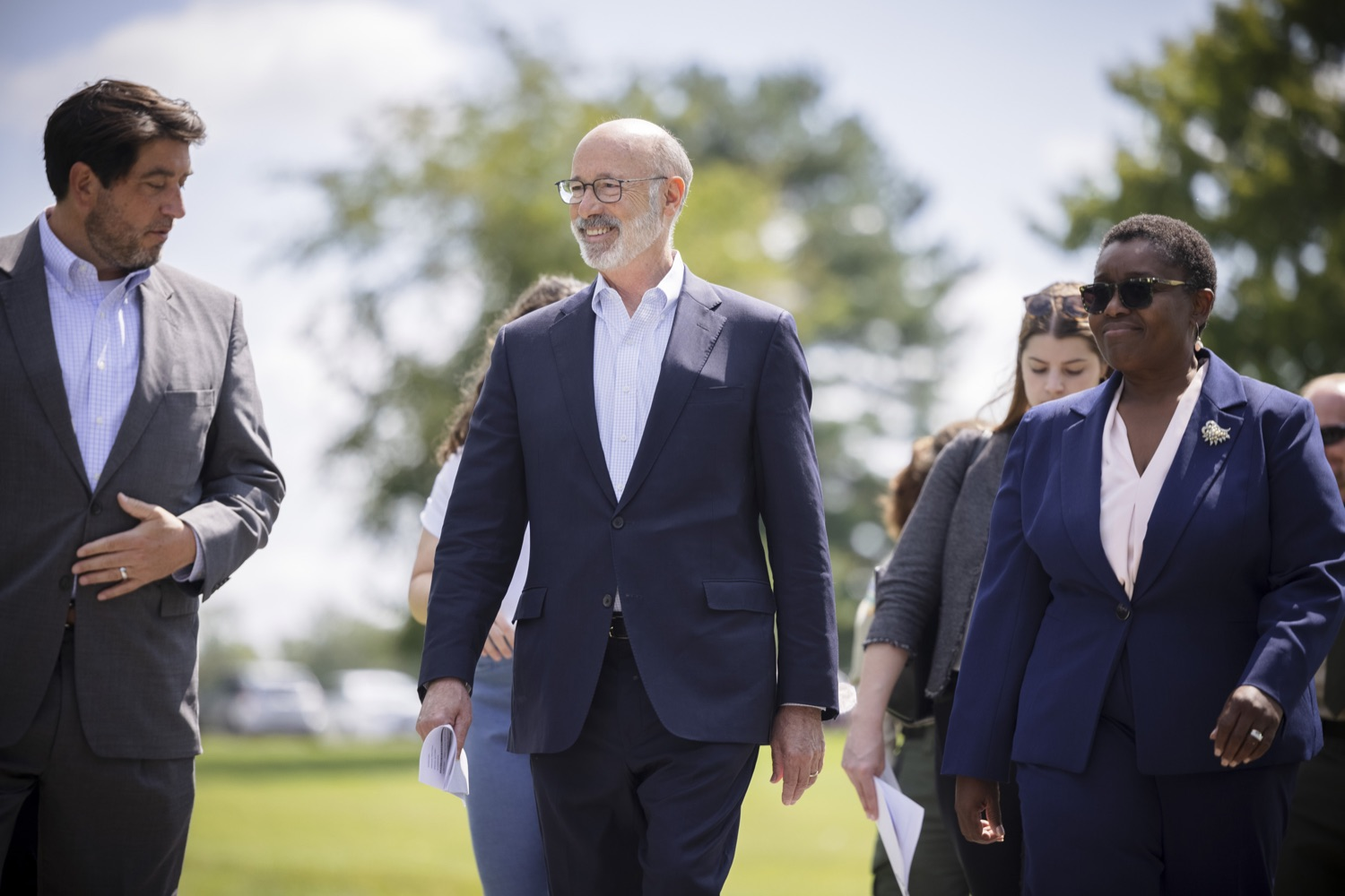 """<a href=""""https://filesource.wostreaming.net/commonwealthofpa/photo/19111_gov_parkVaccines_dz_002.jpg"""" target=""""_blank"""">⇣Download Photo<br></a>Pennsylvania Governor Tom Wolf speaking with Acting Physician General Dr. Denise Johnson and Mike Walsh, DCNR Executive Deputy Secretary. Governor Tom Wolf today announced that the Department of Health (DOH) and Department of Conservation and Natural Resources (DCNR) are partnering to hold COVID-19 vaccine clinics at five state parks across the commonwealth to help expand access to the COVID-19 vaccine.  Harrisburg, PA -- September 10, 2021"""