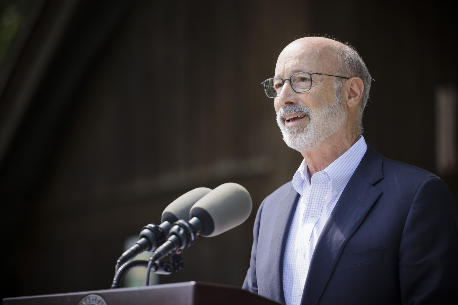 """<a href=""""https://filesource.wostreaming.net/commonwealthofpa/photo/19111_gov_parkVaccines_dz_005.jpg"""" target=""""_blank"""">⇣Download Photo<br></a>Pennsylvania Governor Tom Wolf speaking with the press.  Governor Tom Wolf today announced that the Department of Health (DOH) and Department of Conservation and Natural Resources (DCNR) are partnering to hold COVID-19 vaccine clinics at five state parks across the commonwealth to help expand access to the COVID-19 vaccine.  Harrisburg, PA -- September 10, 2021"""