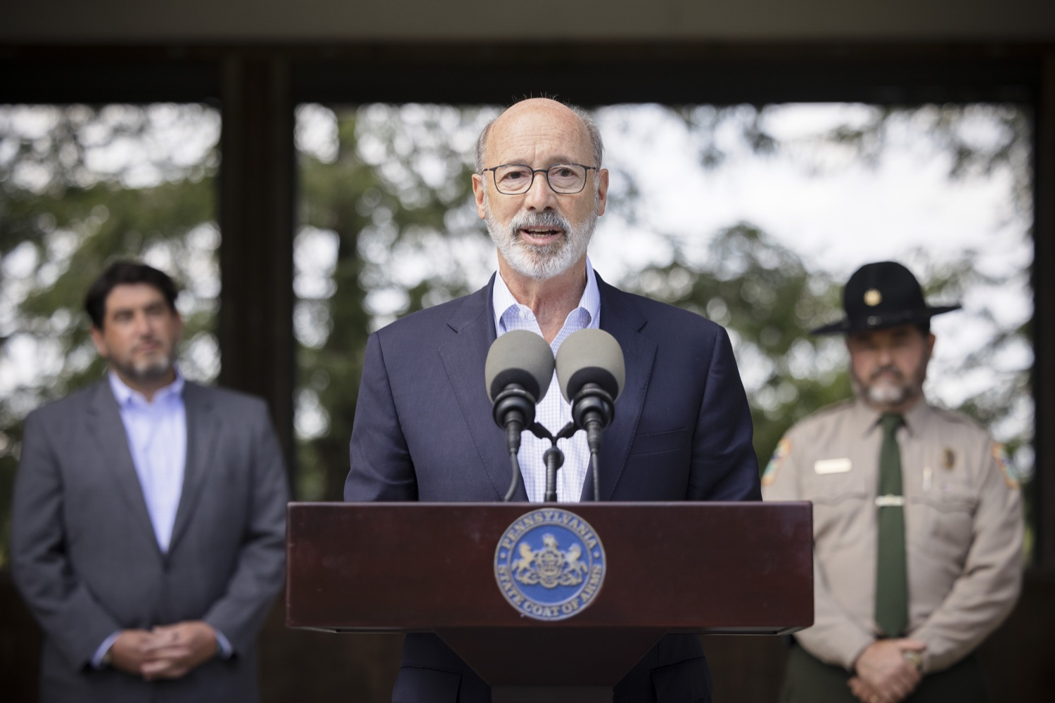 """<a href=""""https://filesource.wostreaming.net/commonwealthofpa/photo/19111_gov_parkVaccines_dz_014.jpg"""" target=""""_blank"""">⇣Download Photo<br></a>Pennsylvania Governor Tom Wolf speaking with the press.  Governor Tom Wolf today announced that the Department of Health (DOH) and Department of Conservation and Natural Resources (DCNR) are partnering to hold COVID-19 vaccine clinics at five state parks across the commonwealth to help expand access to the COVID-19 vaccine.  Harrisburg, PA -- September 10, 2021"""
