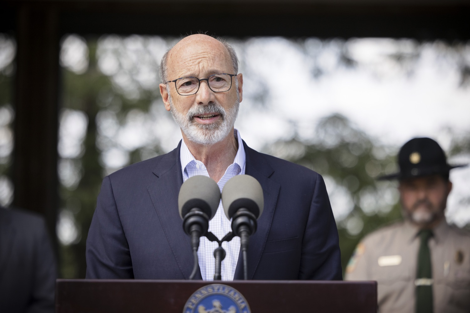 """<a href=""""https://filesource.wostreaming.net/commonwealthofpa/photo/19111_gov_parkVaccines_dz_016.jpg"""" target=""""_blank"""">⇣Download Photo<br></a>Pennsylvania Governor Tom Wolf speaking with the press.  Governor Tom Wolf today announced that the Department of Health (DOH) and Department of Conservation and Natural Resources (DCNR) are partnering to hold COVID-19 vaccine clinics at five state parks across the commonwealth to help expand access to the COVID-19 vaccine.  Harrisburg, PA -- September 10, 2021"""