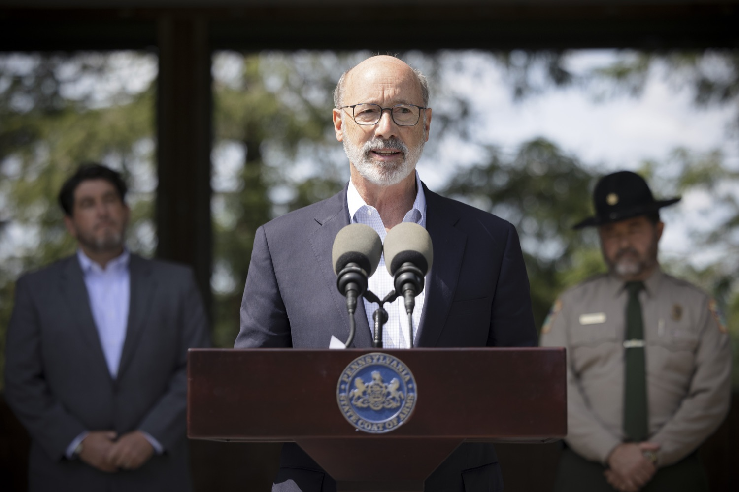 """<a href=""""https://filesource.wostreaming.net/commonwealthofpa/photo/19111_gov_parkVaccines_dz_020.jpg"""" target=""""_blank"""">⇣Download Photo<br></a>Pennsylvania Governor Tom Wolf speaking with the press.  Governor Tom Wolf today announced that the Department of Health (DOH) and Department of Conservation and Natural Resources (DCNR) are partnering to hold COVID-19 vaccine clinics at five state parks across the commonwealth to help expand access to the COVID-19 vaccine.  Harrisburg, PA -- September 10, 2021"""