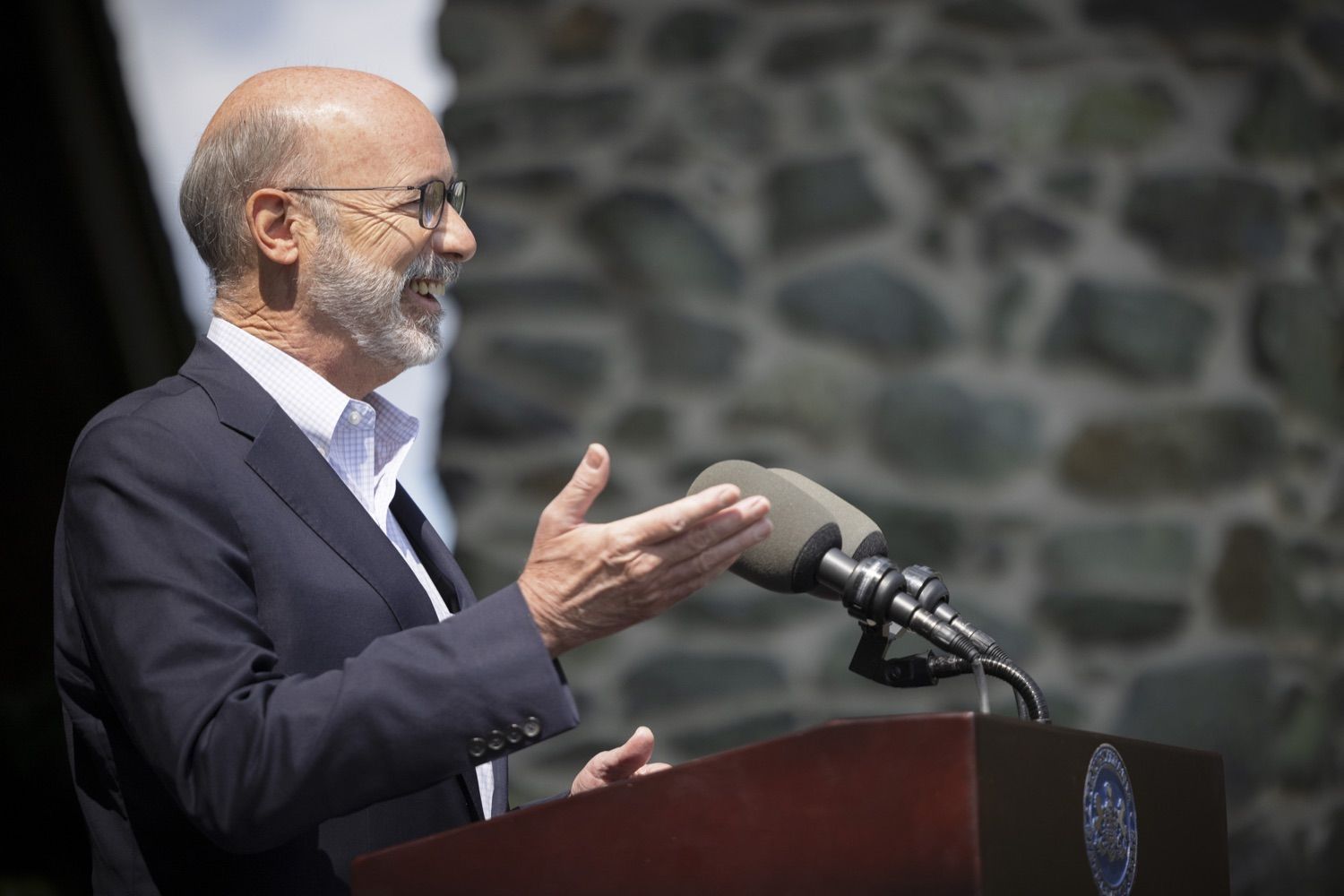 """<a href=""""https://filesource.wostreaming.net/commonwealthofpa/photo/19111_gov_parkVaccines_dz_021.jpg"""" target=""""_blank"""">⇣Download Photo<br></a>Pennsylvania Governor Tom Wolf speaking with the press.  Governor Tom Wolf today announced that the Department of Health (DOH) and Department of Conservation and Natural Resources (DCNR) are partnering to hold COVID-19 vaccine clinics at five state parks across the commonwealth to help expand access to the COVID-19 vaccine.  Harrisburg, PA -- September 10, 2021"""