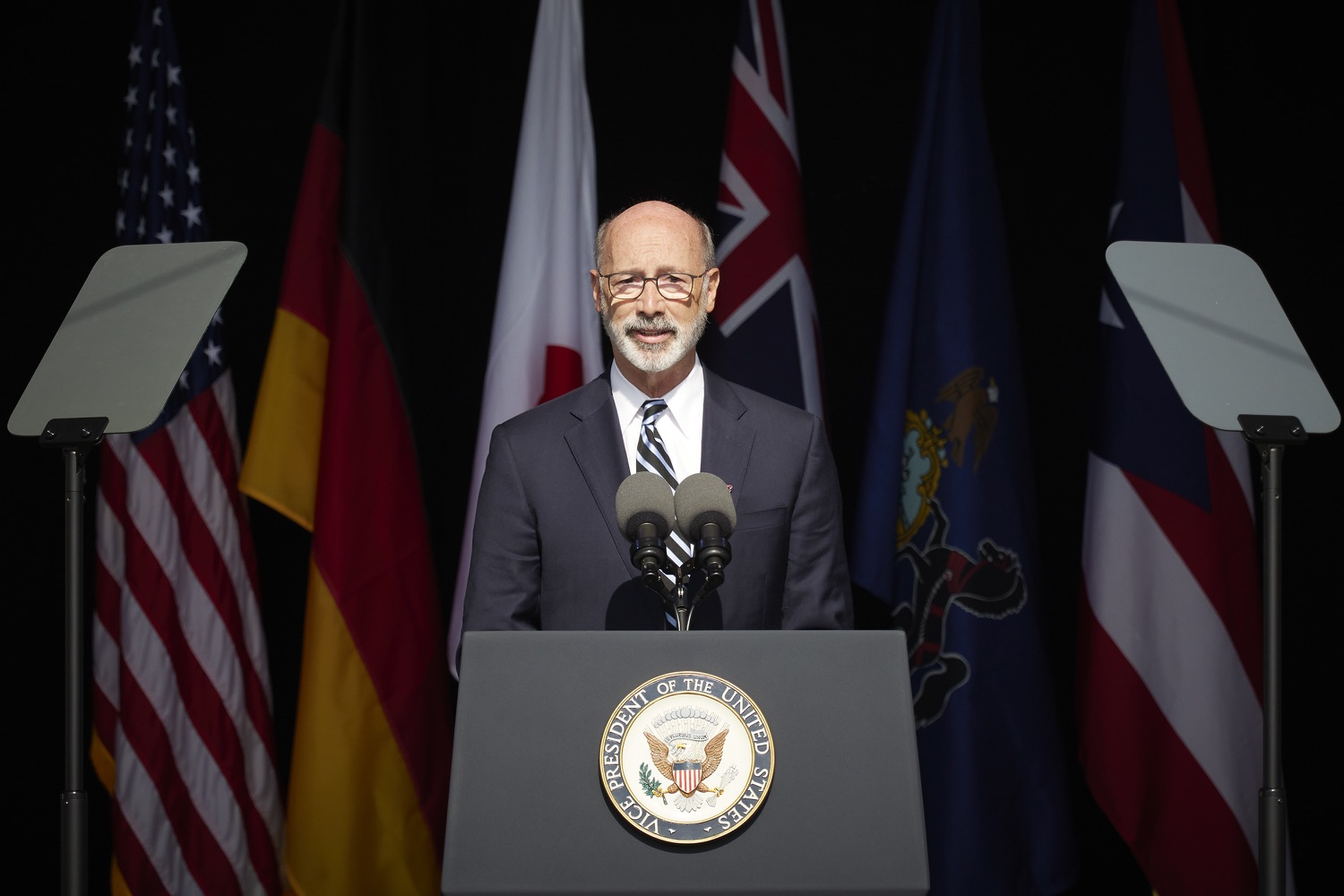 """<a href=""""https://filesource.wostreaming.net/commonwealthofpa/photo/19117_gov_Flight_93_Memorial_dz_001_copy.jpg"""" target=""""_blank"""">⇣Download Photo<br></a>Pennsylvania Governor Tom Wolf speaks at the 20th annual September 11 observance.  Today, Governor Tom Wolf visited the Flight 93 National Memorial for the 20th annual September 11 observance. Gov. Wolf joined families and guests to honor the passengers and crew of Flight 93. Flight 93 National Memorial, Shanksville, PA - September 11, 2021"""