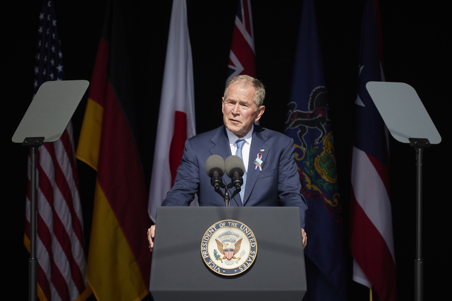 """<a href=""""https://filesource.wostreaming.net/commonwealthofpa/photo/19117_gov_Flight_93_Memorial_dz_003_copy.jpg"""" target=""""_blank"""">⇣Download Photo<br></a>President George W. Bush,  speaks at the 20th annual September 11 observance.  Today, Governor Tom Wolf visited the Flight 93 National Memorial for the 20th annual September 11 observance. Gov. Wolf joined families and guests to honor the passengers and crew of Flight 93. Flight 93 National Memorial, Shanksville, PA - September 11, 2021"""