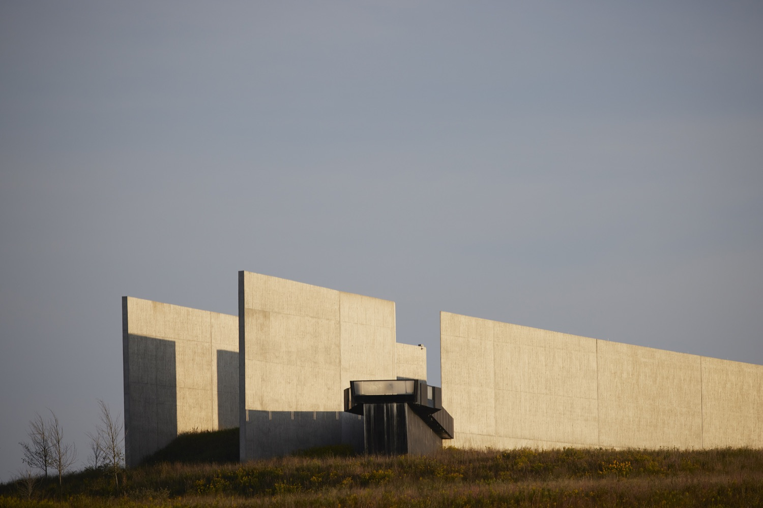 """<a href=""""https://filesource.wostreaming.net/commonwealthofpa/photo/19117_gov_Flight_93_Memorial_dz_017_copy.jpg"""" target=""""_blank"""">⇣Download Photo<br></a>The Flight 93 National Memorial in the morning sun.  Today, Governor Tom Wolf visited the Flight 93 National Memorial for the 20th annual September 11 observance. Gov. Wolf joined families and guests to honor the passengers and crew of Flight 93. Flight 93 National Memorial, Shanksville, PA - September 11, 2021"""
