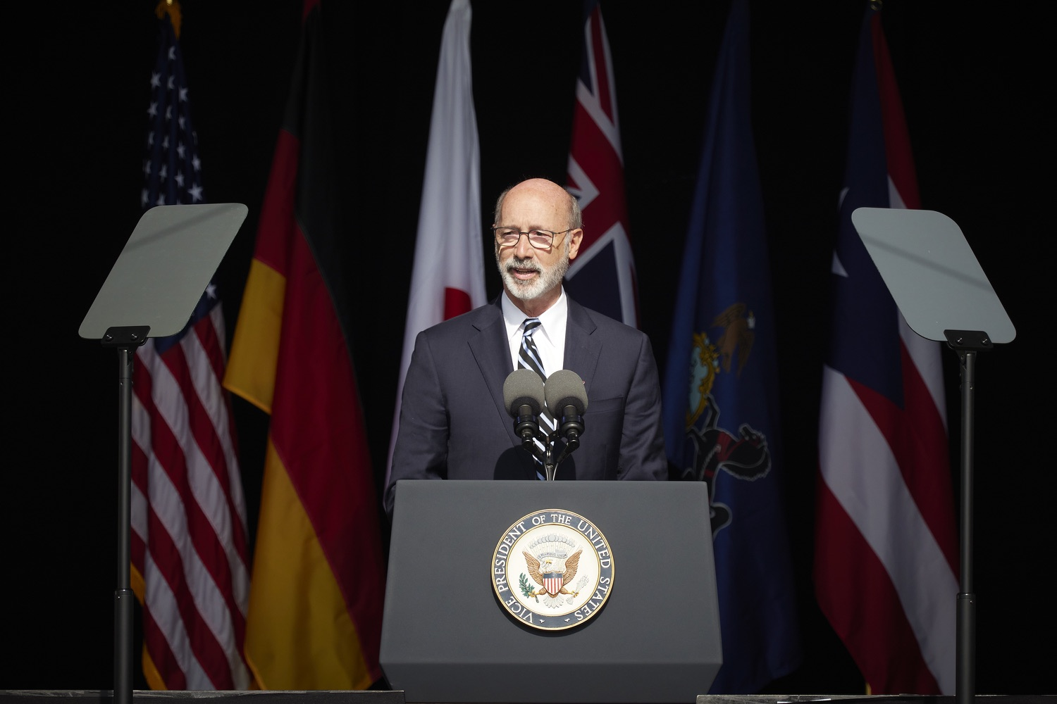 """<a href=""""https://filesource.wostreaming.net/commonwealthofpa/photo/19117_gov_Flight_93_Memorial_dz_018_copy.jpg"""" target=""""_blank"""">⇣Download Photo<br></a>Pennsylvania Governor Tom Wolf speaks at the 20th annual September 11 observance.  Today, Governor Tom Wolf visited the Flight 93 National Memorial for the 20th annual September 11 observance. Gov. Wolf joined families and guests to honor the passengers and crew of Flight 93. Flight 93 National Memorial, Shanksville, PA - September 11, 2021"""