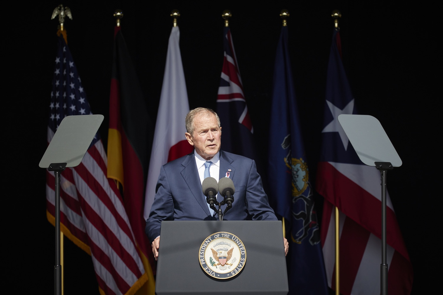 """<a href=""""https://filesource.wostreaming.net/commonwealthofpa/photo/19117_gov_Flight_93_Memorial_dz_022_copy.jpg"""" target=""""_blank"""">⇣Download Photo<br></a>President George W. Bush,  speaks at the 20th annual September 11 observance.  Today, Governor Tom Wolf visited the Flight 93 National Memorial for the 20th annual September 11 observance. Gov. Wolf joined families and guests to honor the passengers and crew of Flight 93. Flight 93 National Memorial, Shanksville, PA - September 11, 2021"""