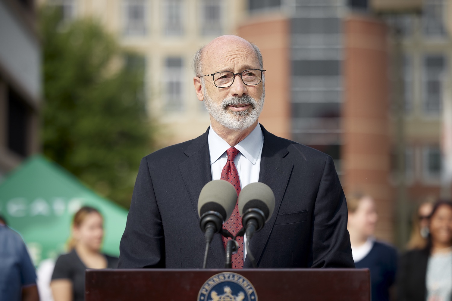 """<a href=""""https://filesource.wostreaming.net/commonwealthofpa/photo/19120_gov_vaccines_dz_001.jpg"""" target=""""_blank"""">⇣Download Photo<br></a>Pennsylvania Governor Tom Wolf speaking with the press.  Governor Tom Wolf, state leaders, and community partners visited a local vaccine clinic to encourage eligible Pennsylvanians to do their part to end the COVID-19 pandemic by getting vaccinated.   Reading, PA - September 14, 2021"""