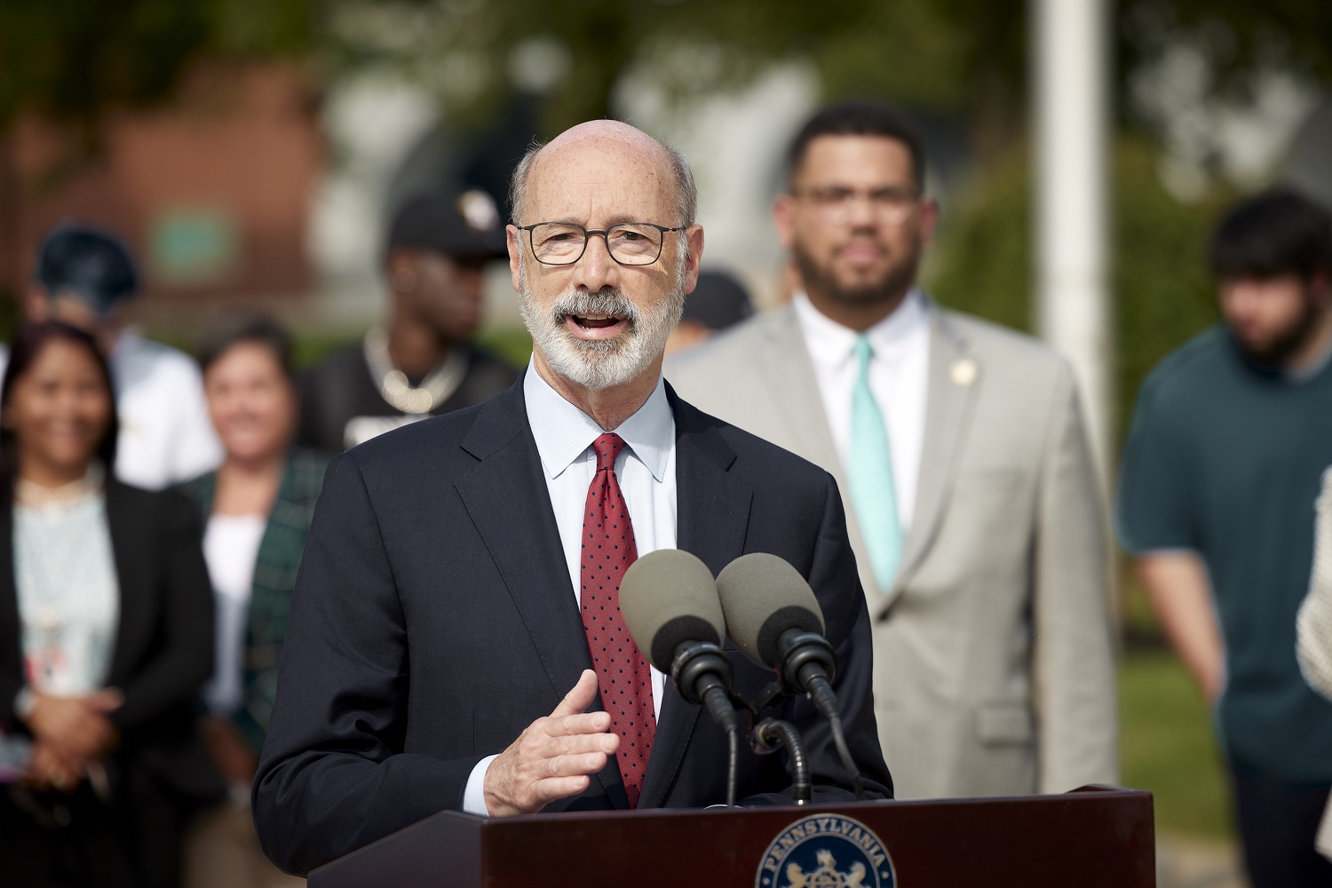 """<a href=""""https://filesource.wostreaming.net/commonwealthofpa/photo/19120_gov_vaccines_dz_010.jpg"""" target=""""_blank"""">⇣Download Photo<br></a>Pennsylvania Governor Tom Wolf speaking with the press.  Governor Tom Wolf, state leaders, and community partners visited a local vaccine clinic to encourage eligible Pennsylvanians to do their part to end the COVID-19 pandemic by getting vaccinated.   Reading, PA - September 14, 2021"""