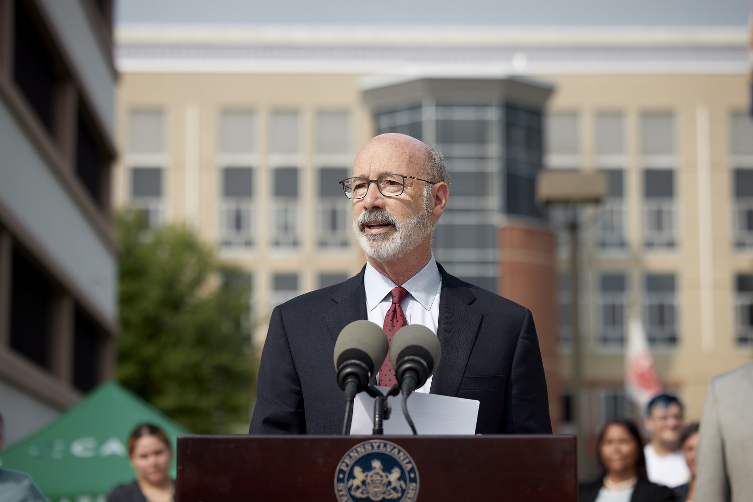 """<a href=""""https://filesource.wostreaming.net/commonwealthofpa/photo/19120_gov_vaccines_dz_011.jpg"""" target=""""_blank"""">⇣Download Photo<br></a>Pennsylvania Governor Tom Wolf speaking with the press.  Governor Tom Wolf, state leaders, and community partners visited a local vaccine clinic to encourage eligible Pennsylvanians to do their part to end the COVID-19 pandemic by getting vaccinated.   Reading, PA - September 14, 2021"""