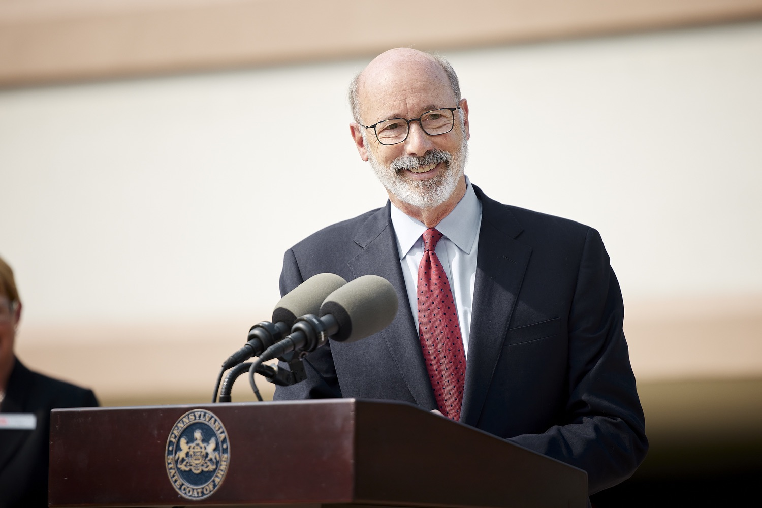"""<a href=""""https://filesource.wostreaming.net/commonwealthofpa/photo/19120_gov_vaccines_dz_018.jpg"""" target=""""_blank"""">⇣Download Photo<br></a>Pennsylvania Governor Tom Wolf speaking with the press.  Governor Tom Wolf, state leaders, and community partners visited a local vaccine clinic to encourage eligible Pennsylvanians to do their part to end the COVID-19 pandemic by getting vaccinated.   Reading, PA - September 14, 2021"""