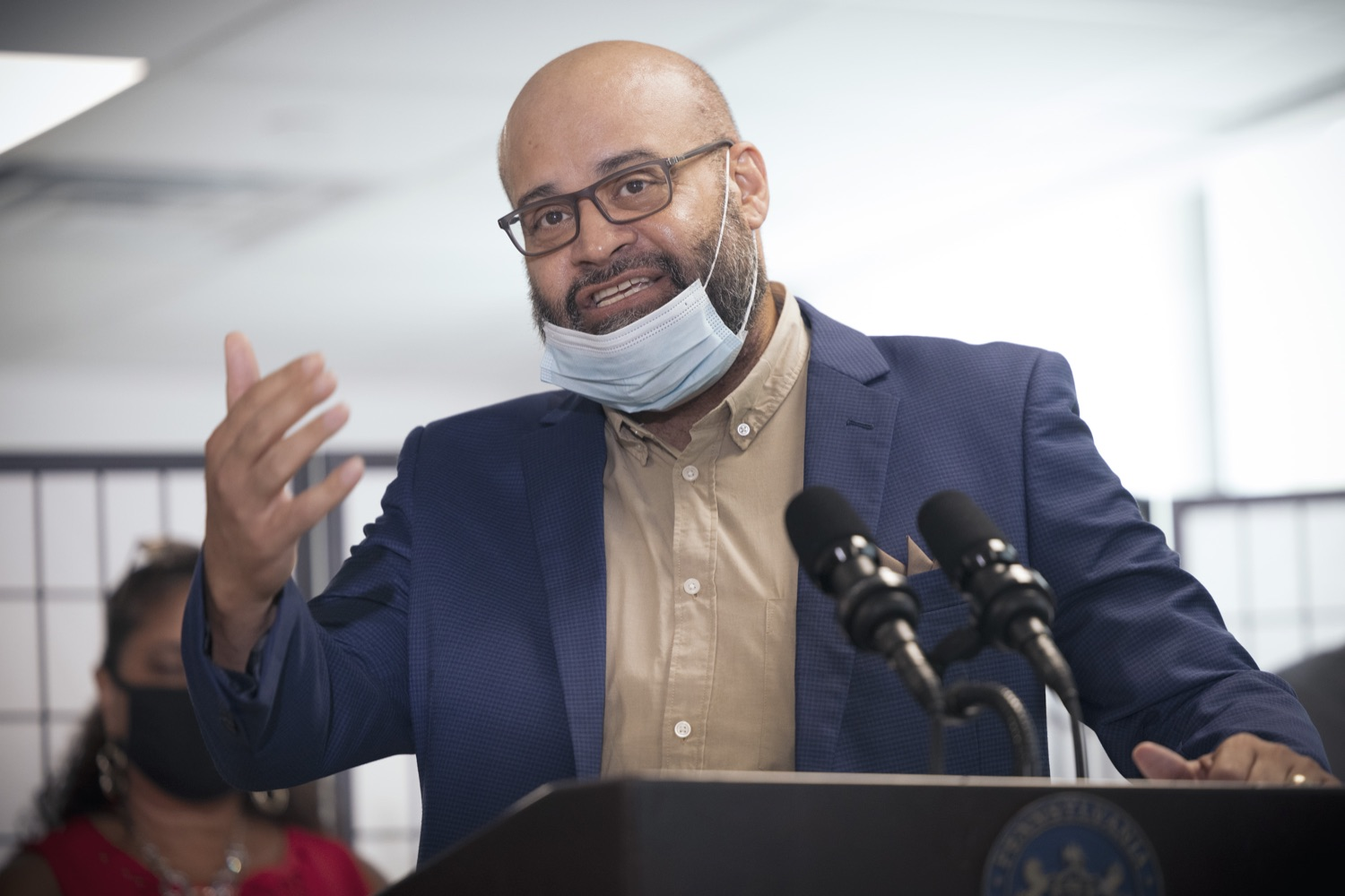 """<a href=""""https://filesource.wostreaming.net/commonwealthofpa/photo/19129_gov_opioidEpidemic_dz_029.jpg"""" target=""""_blank"""">⇣Download Photo<br></a>Rep. Angel Cruz speaking with the press.  Governor Tom Wolf, state leaders, and community partners today visited the Philadelphia neighborhood, Kensington, and Esperanza Health Center to discuss the devastating affects of the opioid epidemic and what can be done to help curb the increase in overdoses throughout the commonwealth.  Philadelphia, PA. - September 16, 2021"""