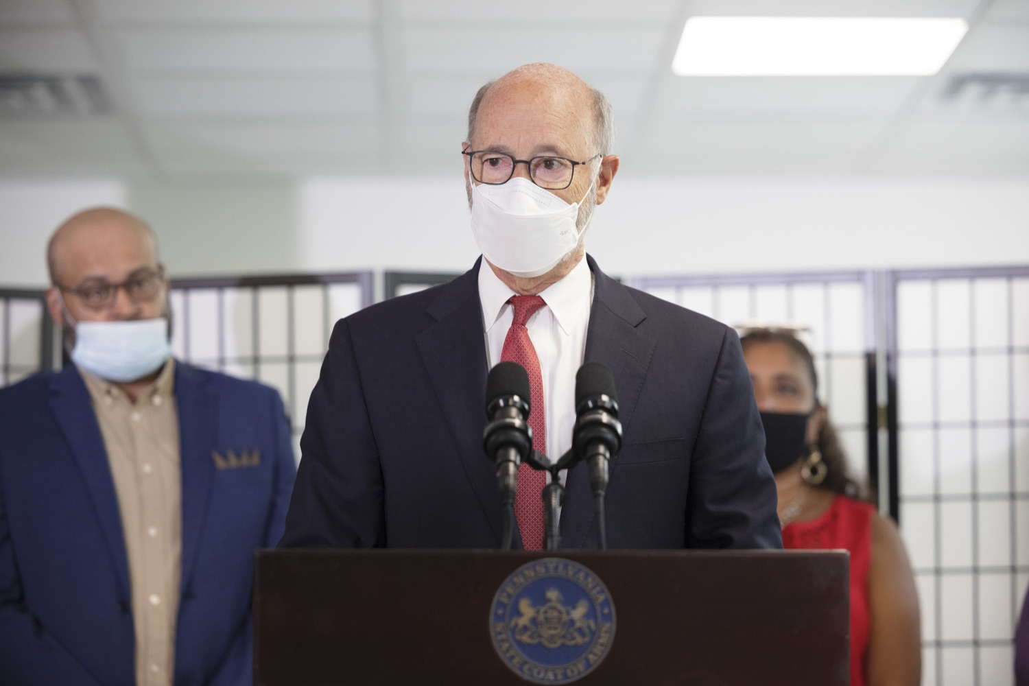 """<a href=""""https://filesource.wostreaming.net/commonwealthofpa/photo/19129_gov_opioidEpidemic_dz_041.jpg"""" target=""""_blank"""">⇣Download Photo<br></a>Pennsylvania Governor Tom Wolf speaking with the press.  Governor Tom Wolf, state leaders, and community partners today visited the Philadelphia neighborhood, Kensington, and Esperanza Health Center to discuss the devastating affects of the opioid epidemic and what can be done to help curb the increase in overdoses throughout the commonwealth.  Philadelphia, PA. - September 16, 2021"""