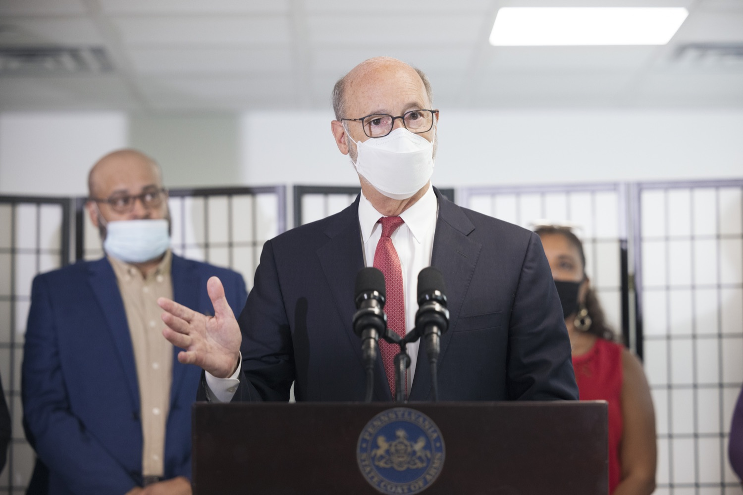 """<a href=""""https://filesource.wostreaming.net/commonwealthofpa/photo/19129_gov_opioidEpidemic_dz_044.jpg"""" target=""""_blank"""">⇣Download Photo<br></a>Pennsylvania Governor Tom Wolf speaking with the press.  Governor Tom Wolf, state leaders, and community partners today visited the Philadelphia neighborhood, Kensington, and Esperanza Health Center to discuss the devastating affects of the opioid epidemic and what can be done to help curb the increase in overdoses throughout the commonwealth.  Philadelphia, PA. - September 16, 2021"""
