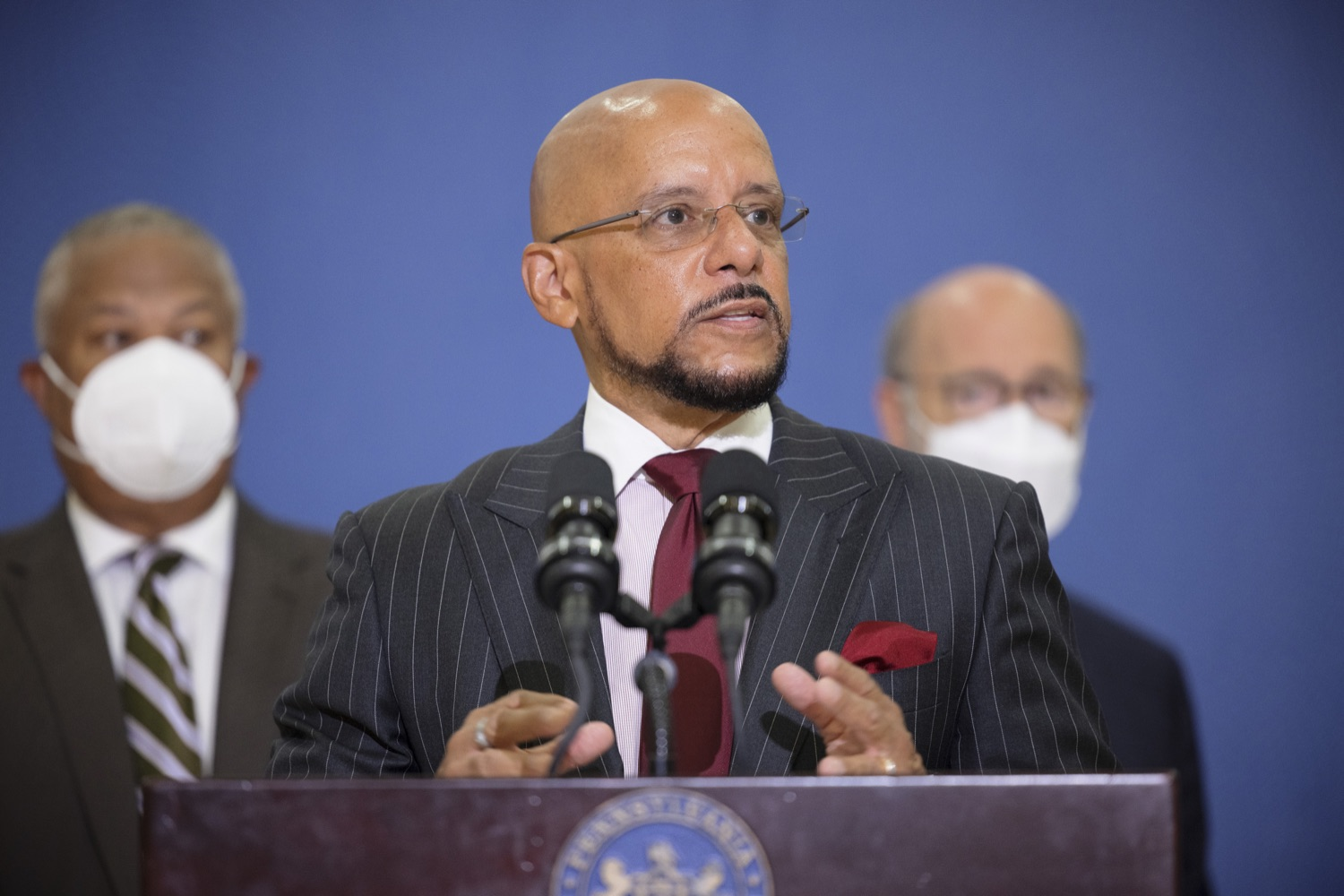 """<a href=""""https://filesource.wostreaming.net/commonwealthofpa/photo/20078_gov_gunviolence_dz_005.jpg"""" target=""""_blank"""">⇣Download Photo<br></a>Pennsylvania State Senator Vince Hughes speaking with the press.  Governor Tom Wolf today joined state lawmakers to remind communities and organizations that $24 million in state funding is available to address community violence.  Philadelphia, PA - September 23, 2021"""