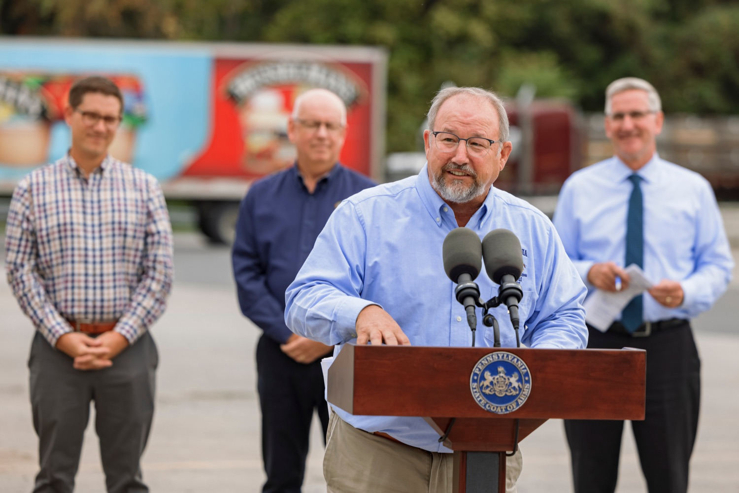 """<a href=""""https://filesource.wostreaming.net/commonwealthofpa/photo/20111_AGRIC_Food_Fuels_NK_009.JPG"""" target=""""_blank"""">⇣Download Photo<br></a>State Rep. Dan Moul speaks during a press conference, which highlighted Pennsylvanias agriculture and food manufacturing industry at Knouse Foods, kicking off the Food that Fuels Pennsylvania tour, a plan to spotlight the commonwealths agriculture and food manufacturing industry and its workforce, on Wednesday, October 13, 2021."""