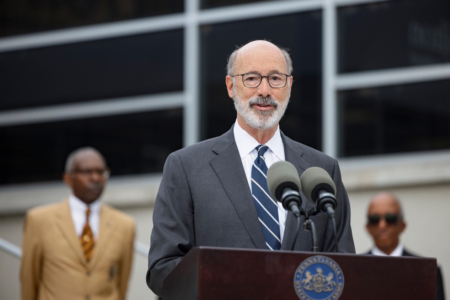 """<a href=""""https://filesource.wostreaming.net/commonwealthofpa/photo/20119_GOV_Vaccines_NK_005.jpg"""" target=""""_blank"""">⇣Download Photo<br></a>PA Governor Tom Wolf speaks during a press conference, which encouraged eligible Pennsylvanians who are not yet vaccinated to take advantage of their upcoming community COVID-19 vaccine clinic in partnership with the Zeta Theta Lambda Chapter of Alpha Phi Alpha fraternity, outside Hamilton Health Center in Harrisburg on Wednesday, October 6, 2021. The clinic will run on Saturday, October 9, COVID-19 vaccinations will be offered from 10am  2pm at Hamilton Health Center, 100 S. 17th St., Harrisburg, PA 17104."""
