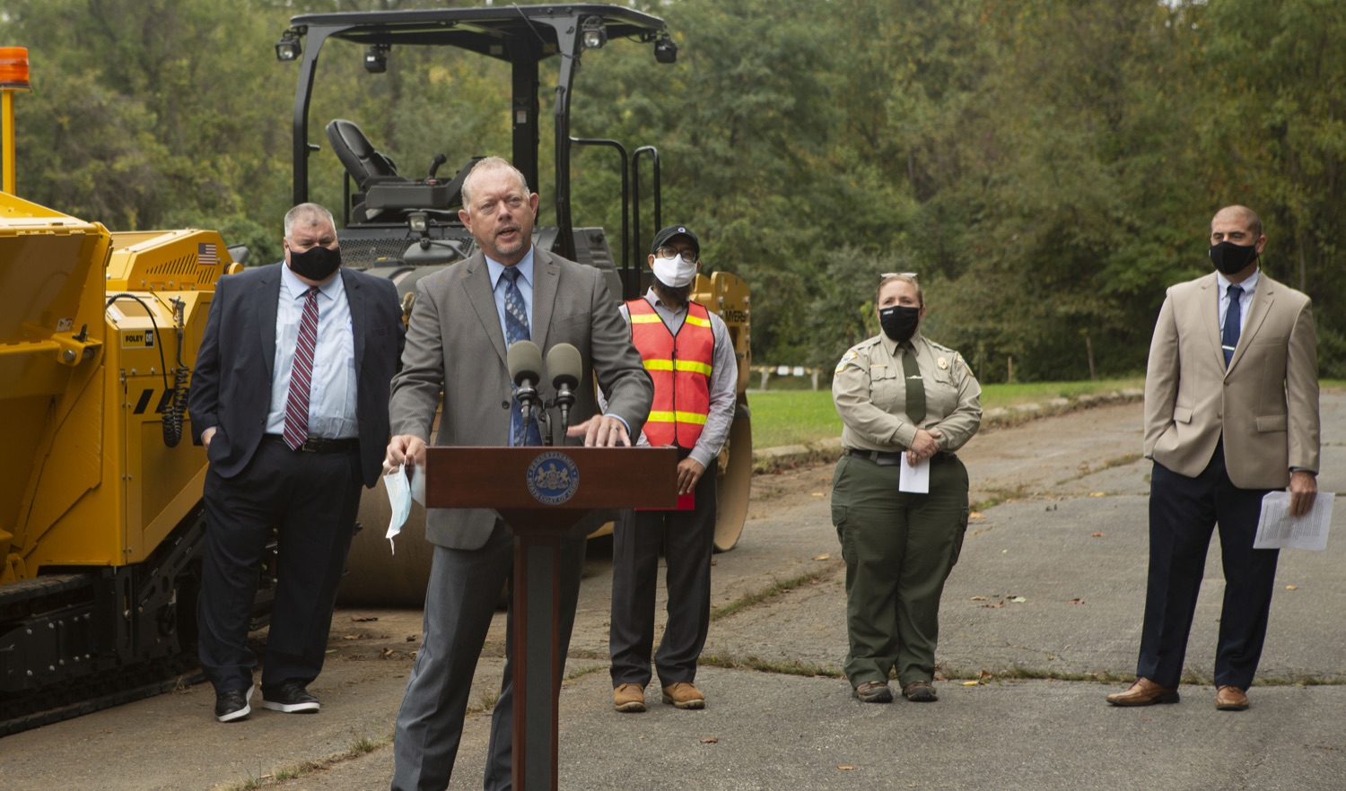 """<a href=""""https://filesource.wostreaming.net/commonwealthofpa/photo/20121_pdot_recycledRoadway_2.JPG"""" target=""""_blank"""">⇣Download Photo<br></a>Wolf Administration Highlights Collaborative Pilot to Pave Roadway with Recycled Plastic"""