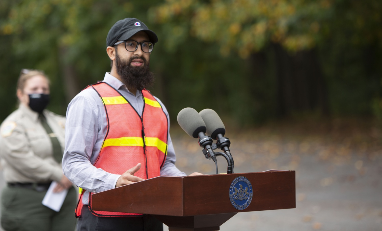 """<a href=""""https://filesource.wostreaming.net/commonwealthofpa/photo/20121_pdot_recycledRoadway_5.JPG"""" target=""""_blank"""">⇣Download Photo<br></a>Wolf Administration Highlights Collaborative Pilot to Pave Roadway with Recycled Plastic"""