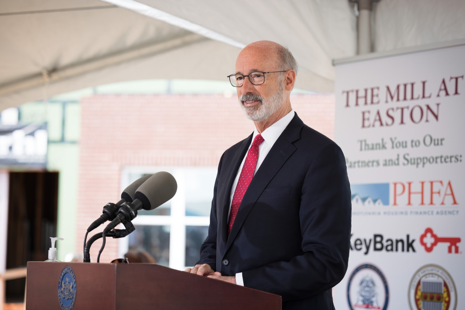 """<a href=""""https://filesource.wostreaming.net/commonwealthofpa/photo/20125_gov_economicDevelopment_dz_002.jpg"""" target=""""_blank"""">⇣Download Photo<br></a>Pennsylvania Governor Tom Wolf speaking with the press.  Governor Tom Wolf today visited the City of Easton to highlight millions of dollars in state investments in several economic development projects that are revitalizing formerly vacant and blighted properties.  Easton, PA   October 8, 2021."""