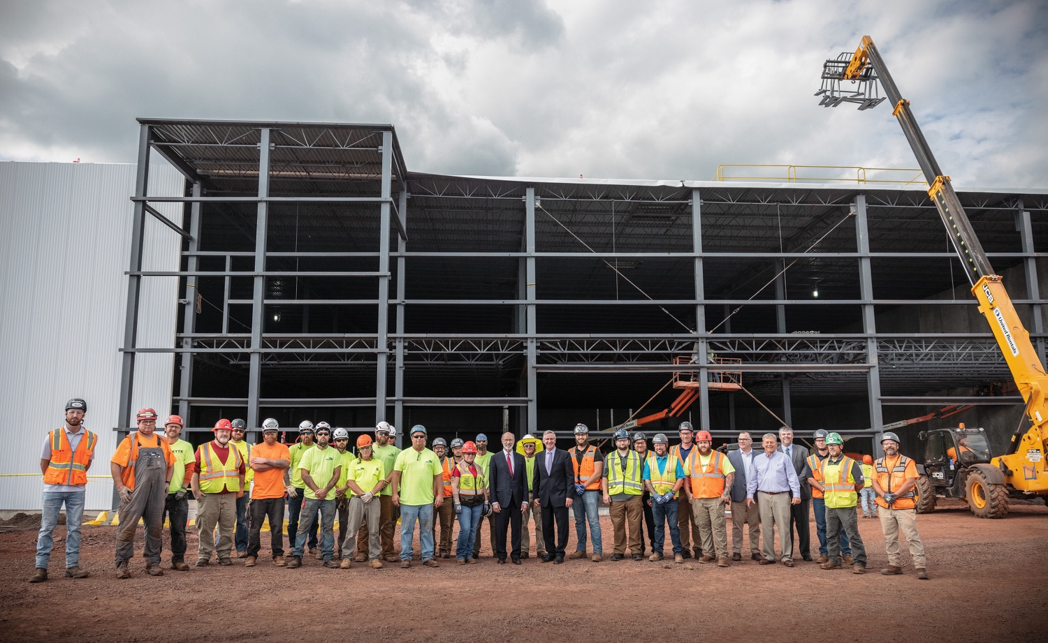 """<a href=""""https://filesource.wostreaming.net/commonwealthofpa/photo/20126_gov_economicDevelopment_dz_002.jpg"""" target=""""_blank"""">⇣Download Photo<br></a>Pennsylvania Governor Tom Wolf greeting construction workers as he tours the site.  Governor Tom Wolf joined Clemens Food Group leaders, Agriculture Secretary Russell Redding, Sen. Maria Collett, Rep. Steve Malagari and members of the Governors Action Team today to tour the construction of the companys new facility in Montgomery County. The Wolf Administration supported the project which will expand the business operations and create new jobs in the region. Hatfield, PA   October 8, 2021"""