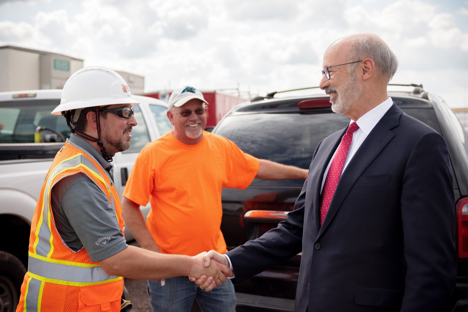 """<a href=""""https://filesource.wostreaming.net/commonwealthofpa/photo/20126_gov_economicDevelopment_dz_003.jpg"""" target=""""_blank"""">⇣Download Photo<br></a>Pennsylvania Governor Tom Wolf greeting construction workers as he tours the site.  Governor Tom Wolf joined Clemens Food Group leaders, Agriculture Secretary Russell Redding, Sen. Maria Collett, Rep. Steve Malagari and members of the Governors Action Team today to tour the construction of the companys new facility in Montgomery County. The Wolf Administration supported the project which will expand the business operations and create new jobs in the region. Hatfield, PA   October 8, 2021"""