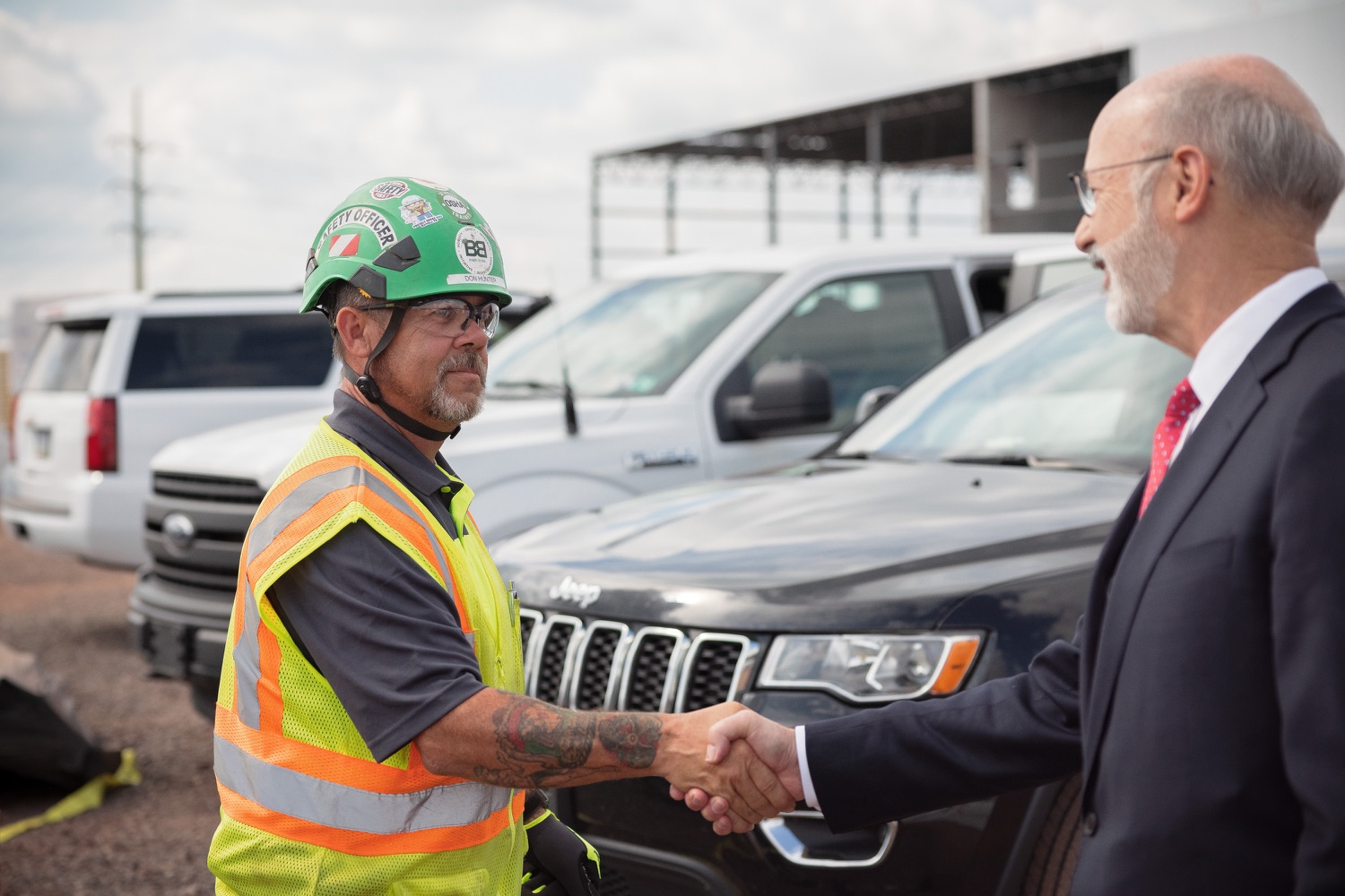 """<a href=""""https://filesource.wostreaming.net/commonwealthofpa/photo/20126_gov_economicDevelopment_dz_010.jpg"""" target=""""_blank"""">⇣Download Photo<br></a>Pennsylvania Governor Tom Wolf greeting construction workers as he tours the site.  Governor Tom Wolf joined Clemens Food Group leaders, Agriculture Secretary Russell Redding, Sen. Maria Collett, Rep. Steve Malagari and members of the Governors Action Team today to tour the construction of the companys new facility in Montgomery County. The Wolf Administration supported the project which will expand the business operations and create new jobs in the region. Hatfield, PA   October 8, 2021"""