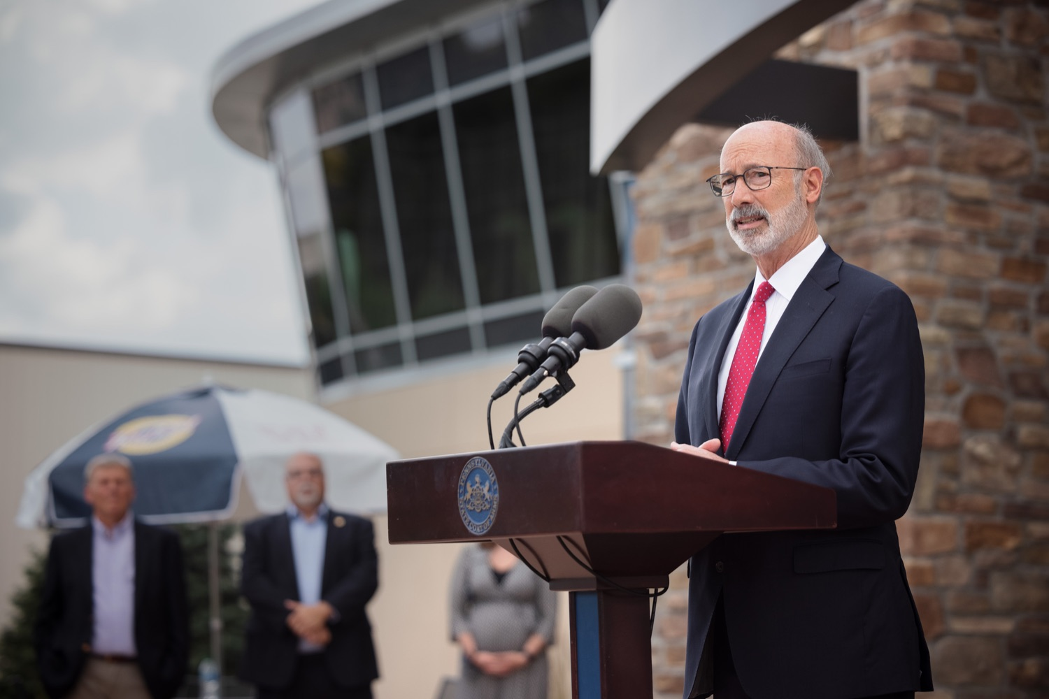 """<a href=""""https://filesource.wostreaming.net/commonwealthofpa/photo/20126_gov_economicDevelopment_dz_012.jpg"""" target=""""_blank"""">⇣Download Photo<br></a>Pennsylvania Governor Tom Wolf speaking with the press.  Governor Tom Wolf joined Clemens Food Group leaders, Agriculture Secretary Russell Redding, Sen. Maria Collett, Rep. Steve Malagari and members of the Governors Action Team today to tour the construction of the companys new facility in Montgomery County. The Wolf Administration supported the project which will expand the business operations and create new jobs in the region. Hatfield, PA   October 8, 2021"""