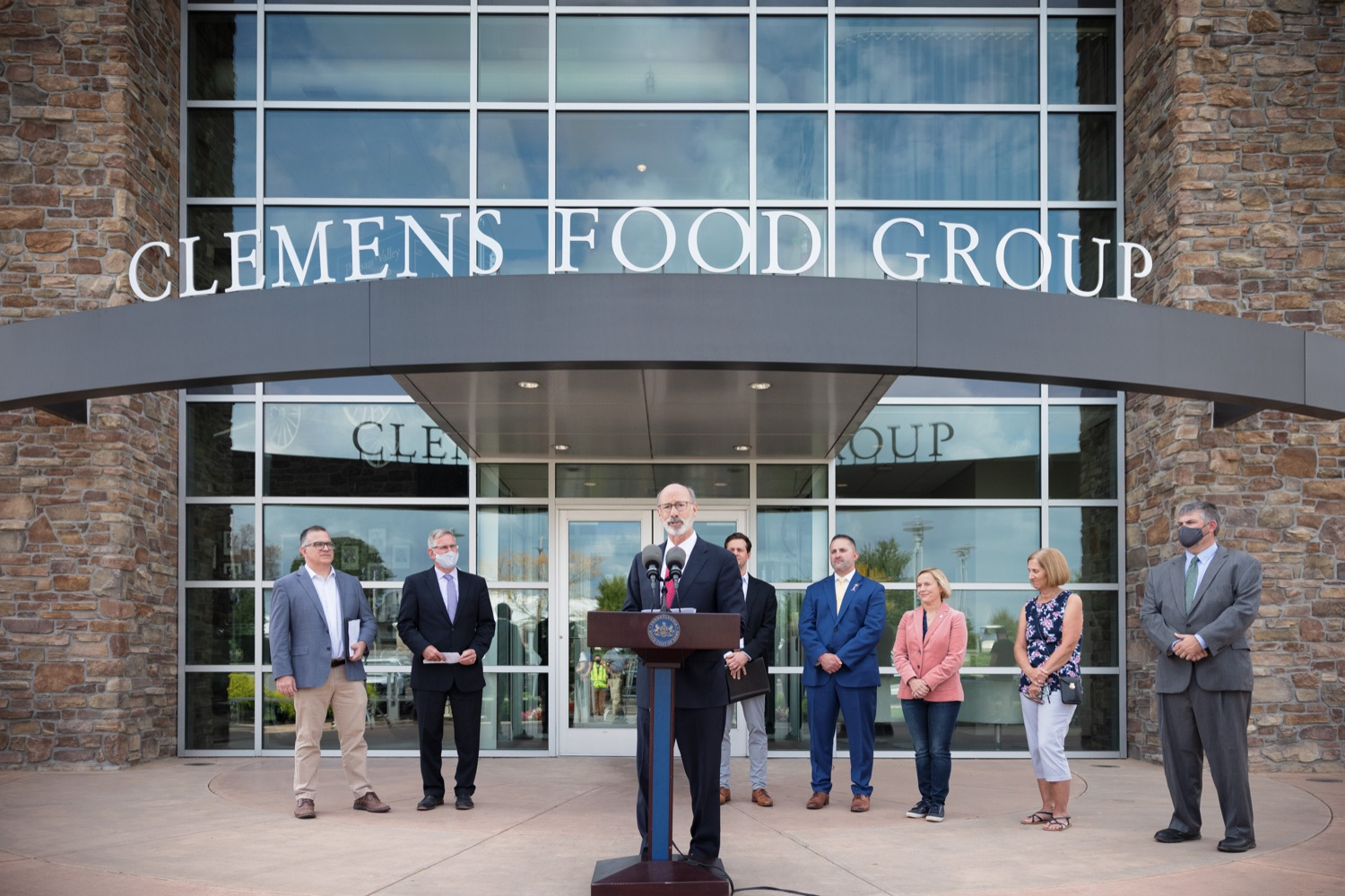 """<a href=""""https://filesource.wostreaming.net/commonwealthofpa/photo/20126_gov_economicDevelopment_dz_017.jpg"""" target=""""_blank"""">⇣Download Photo<br></a>Pennsylvania Governor Tom Wolf speaking with the press.  Governor Tom Wolf joined Clemens Food Group leaders, Agriculture Secretary Russell Redding, Sen. Maria Collett, Rep. Steve Malagari and members of the Governors Action Team today to tour the construction of the companys new facility in Montgomery County. The Wolf Administration supported the project which will expand the business operations and create new jobs in the region. Hatfield, PA   October 8, 2021"""