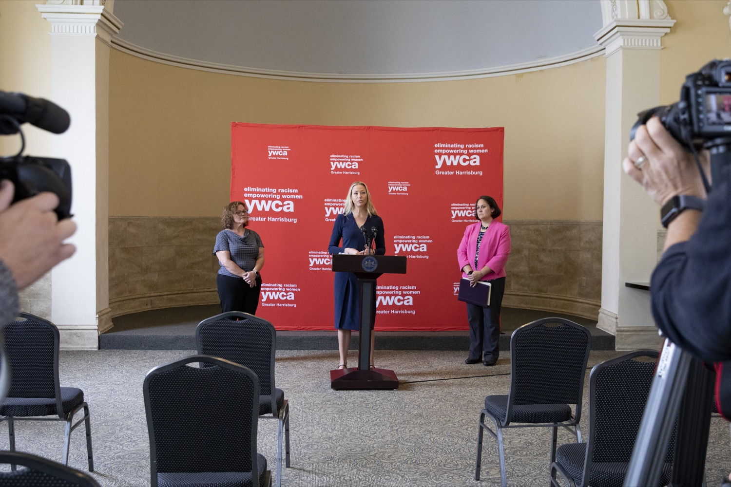 """<a href=""""https://filesource.wostreaming.net/commonwealthofpa/photo/20132_ddap_ywca_cz_06.jpg"""" target=""""_blank"""">⇣Download Photo<br></a>Mary Quinn, YWCA President and CEO, discusses the mission of the YWCA, highlighting how the non-profit is building relationships between employers and individuals in recovery, in Harrisburg, PA on October 13, 2021."""