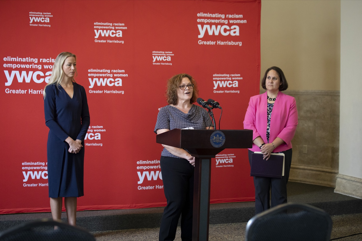 """<a href=""""https://filesource.wostreaming.net/commonwealthofpa/photo/20132_ddap_ywca_cz_12.jpg"""" target=""""_blank"""">⇣Download Photo<br></a>Nicole Finkle, CRS and Team Leader for the YWCA's Supported Employment Programs, discusses how she is working with employers and individuals with substance use disorder, in Harrisburg, PA on October 13, 2021."""