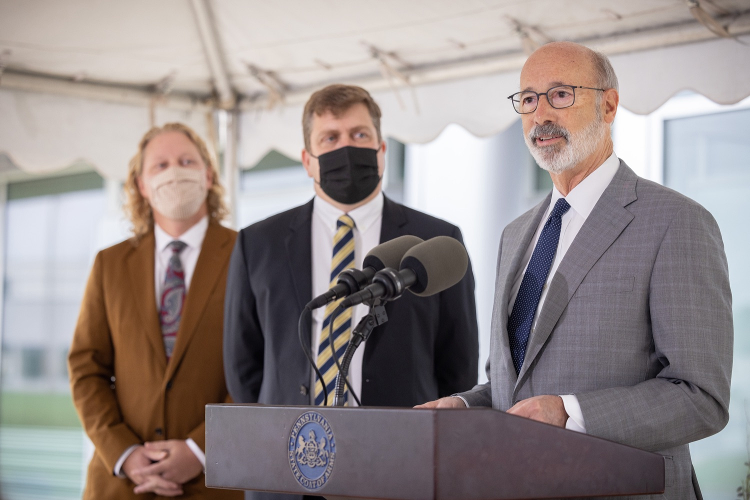 """<a href=""""https://filesource.wostreaming.net/commonwealthofpa/photo/20138_gov_BioTechniqueRibbon_dz_001.JPG"""" target=""""_blank"""">⇣Download Photo<br></a>Pennsylvania Governor Tom Wolf speaking with the press.  Governor Tom Wolf today joined BioTechnique CEO John Clapham, the Department of Community and Economic Developments (DCED) Governors Action Team (GAT), York County Economic Alliance CEO Kevin Schreiber, and local officials at the ribbon cutting ceremony for BioTechniques new pharmaceutical manufacturing facility in York County.   OCTOBER 12, 2021 - YORK, PA"""